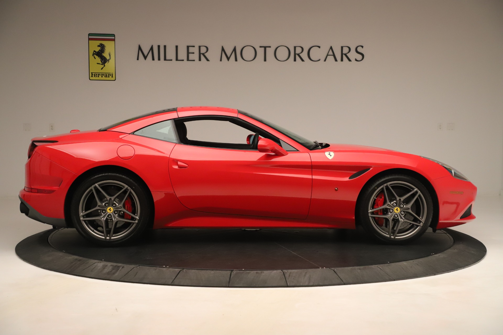 Used 2016 Ferrari California T  For Sale In Westport, CT 3446_p17