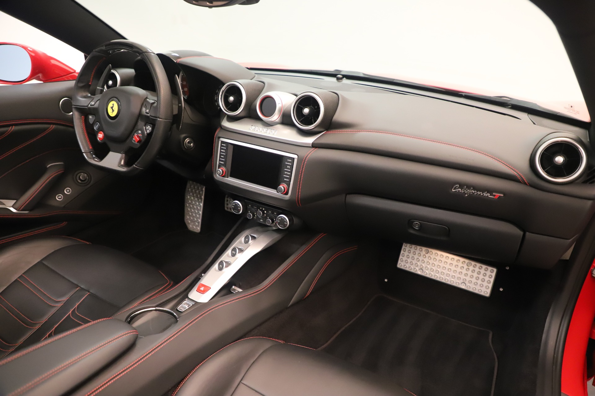 Used 2016 Ferrari California T  For Sale In Westport, CT 3446_p26