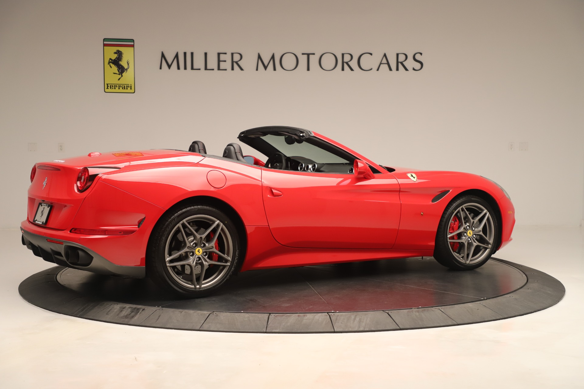 Used 2016 Ferrari California T  For Sale In Westport, CT 3446_p8