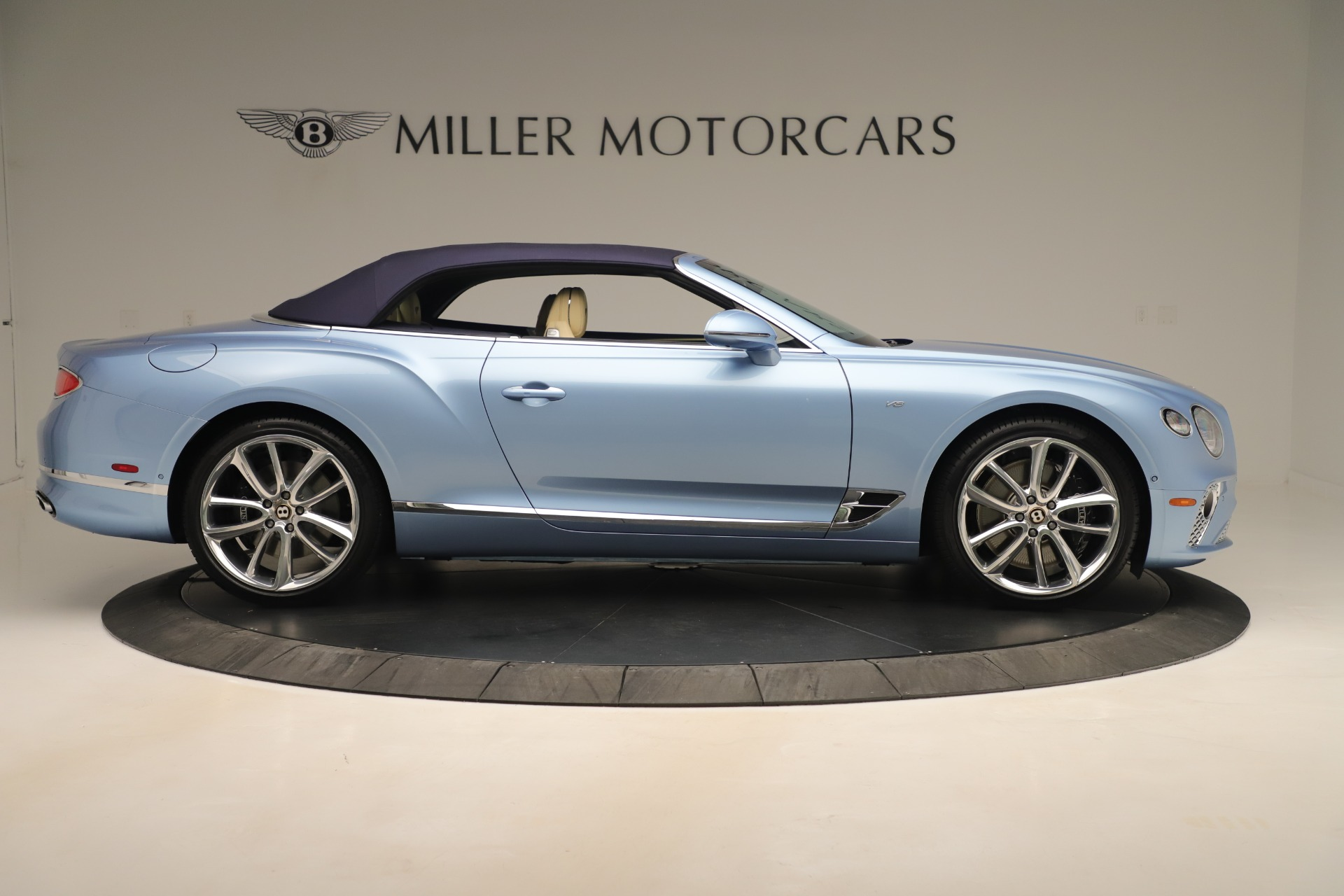 Used 2020 Bentley Continental GTC V8 For Sale In Westport, CT 3472_p17