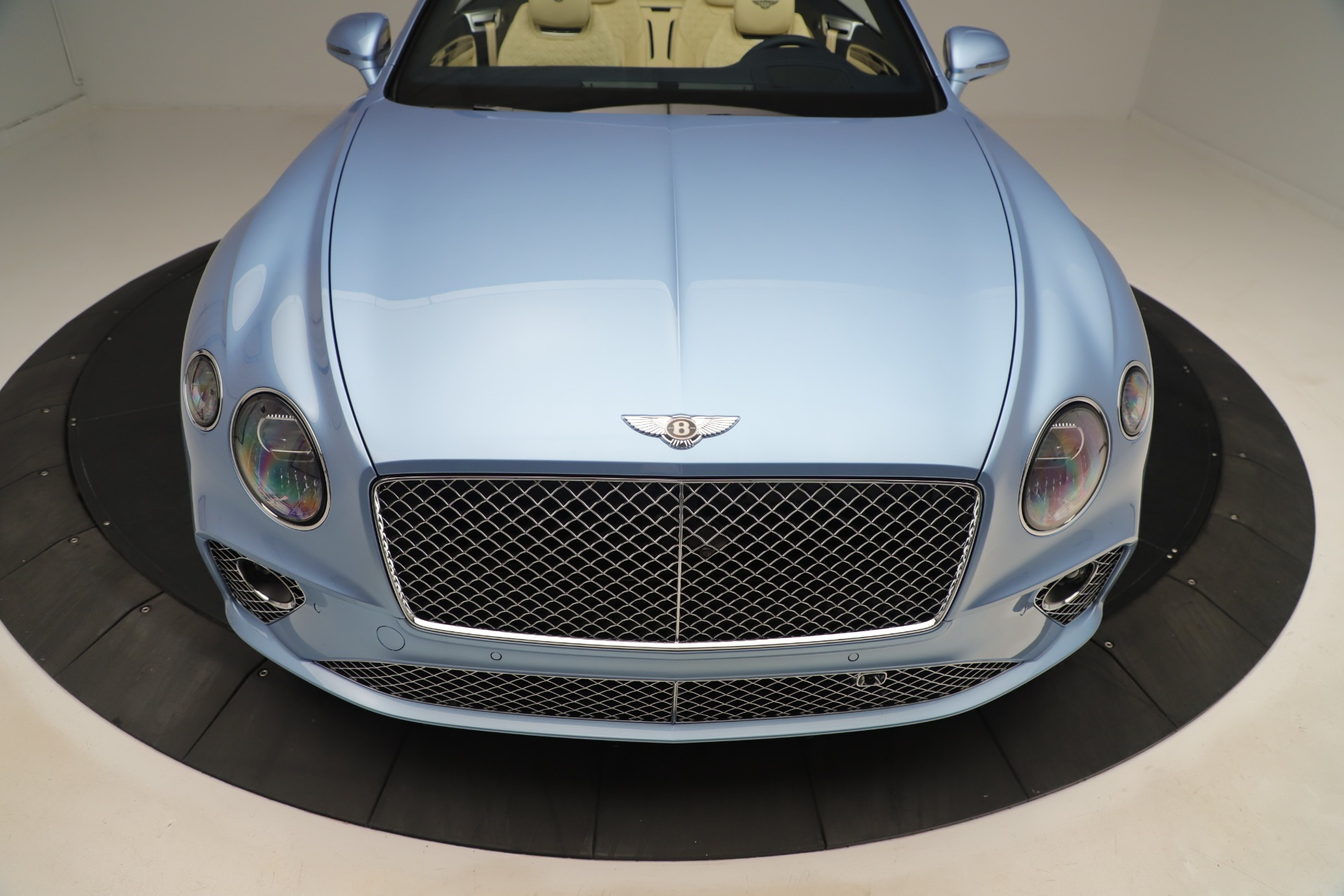 Used 2020 Bentley Continental GTC V8 For Sale In Westport, CT 3472_p19
