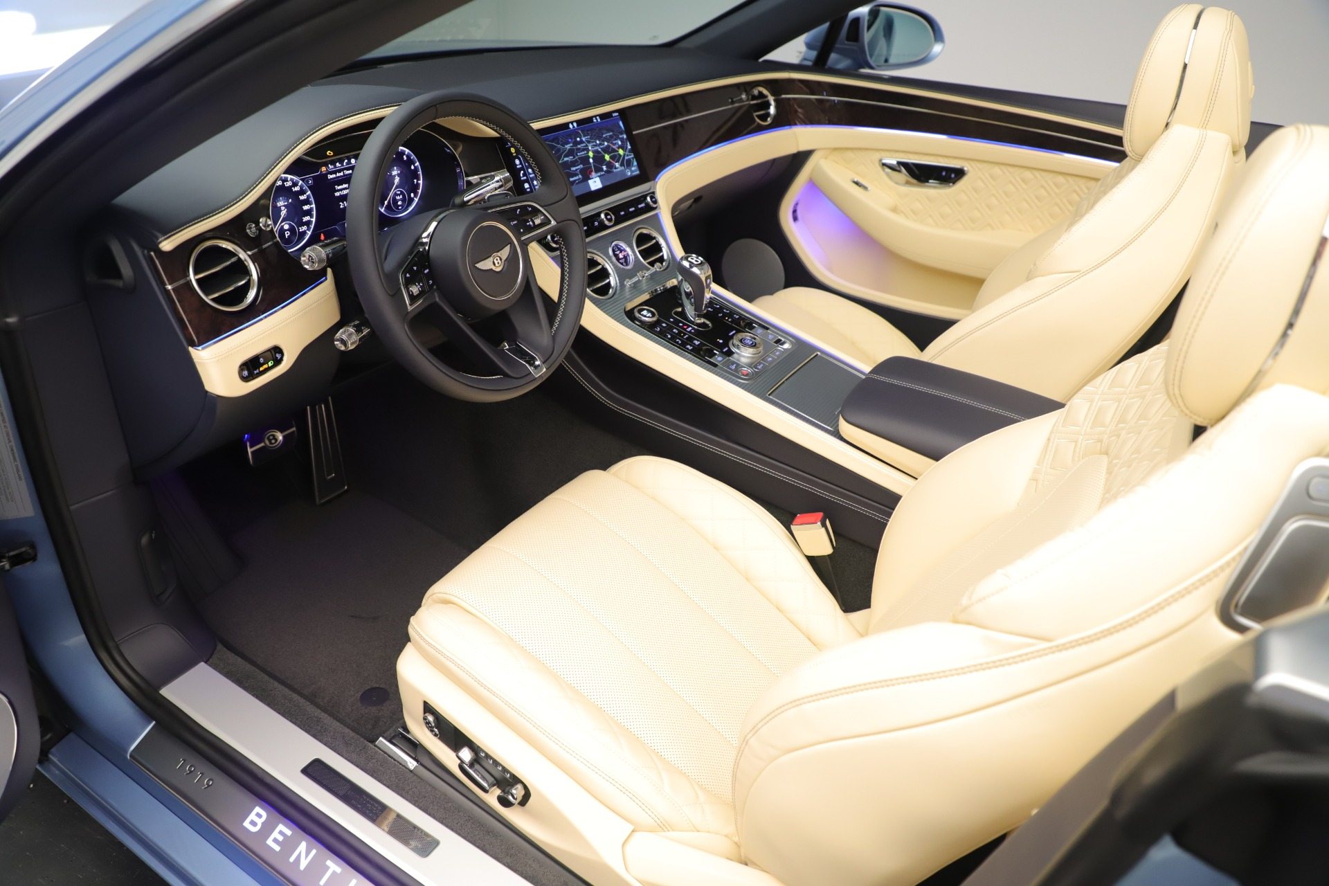 Used 2020 Bentley Continental GTC V8 For Sale In Westport, CT 3472_p26