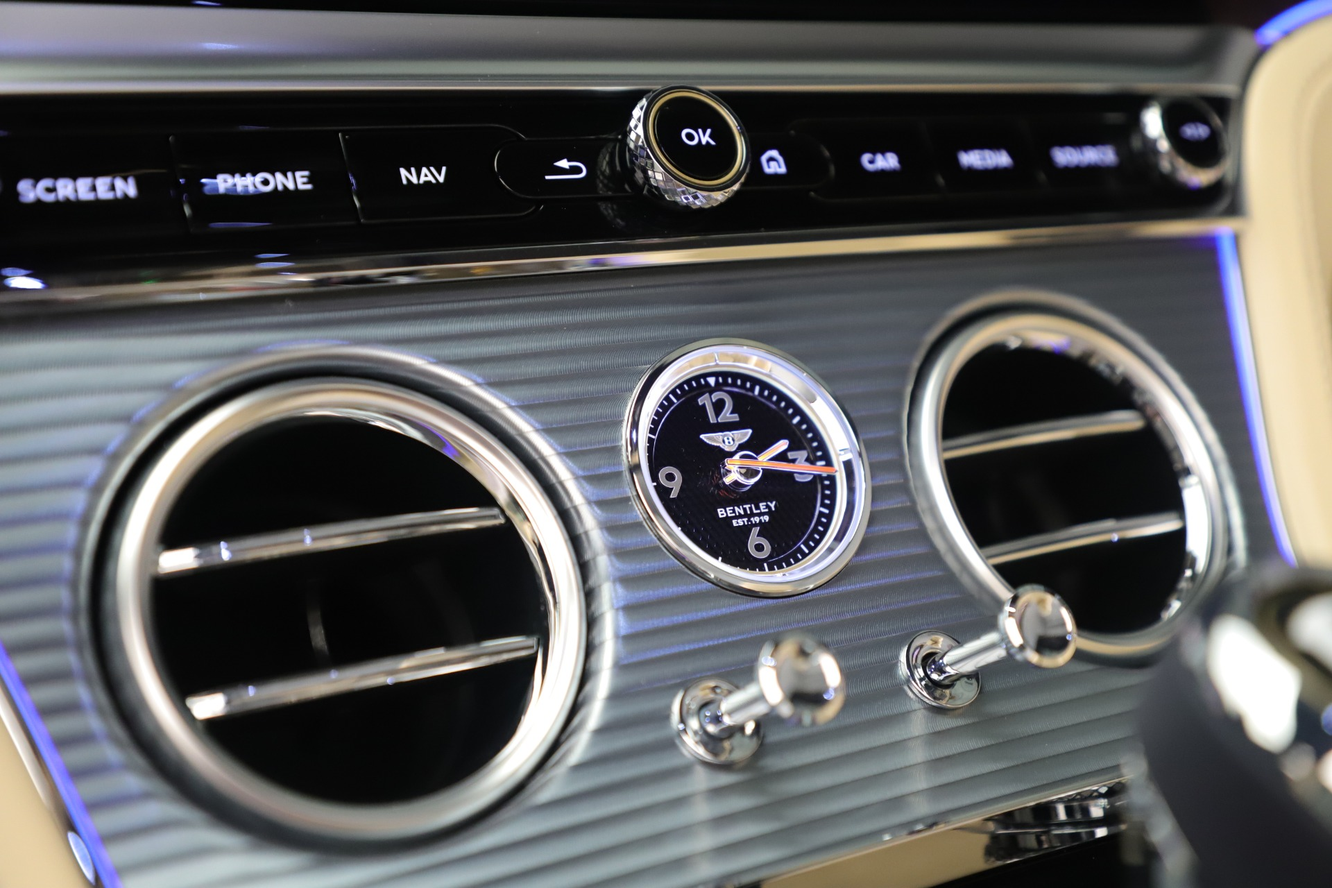 Used 2020 Bentley Continental GTC V8 For Sale In Westport, CT 3472_p28