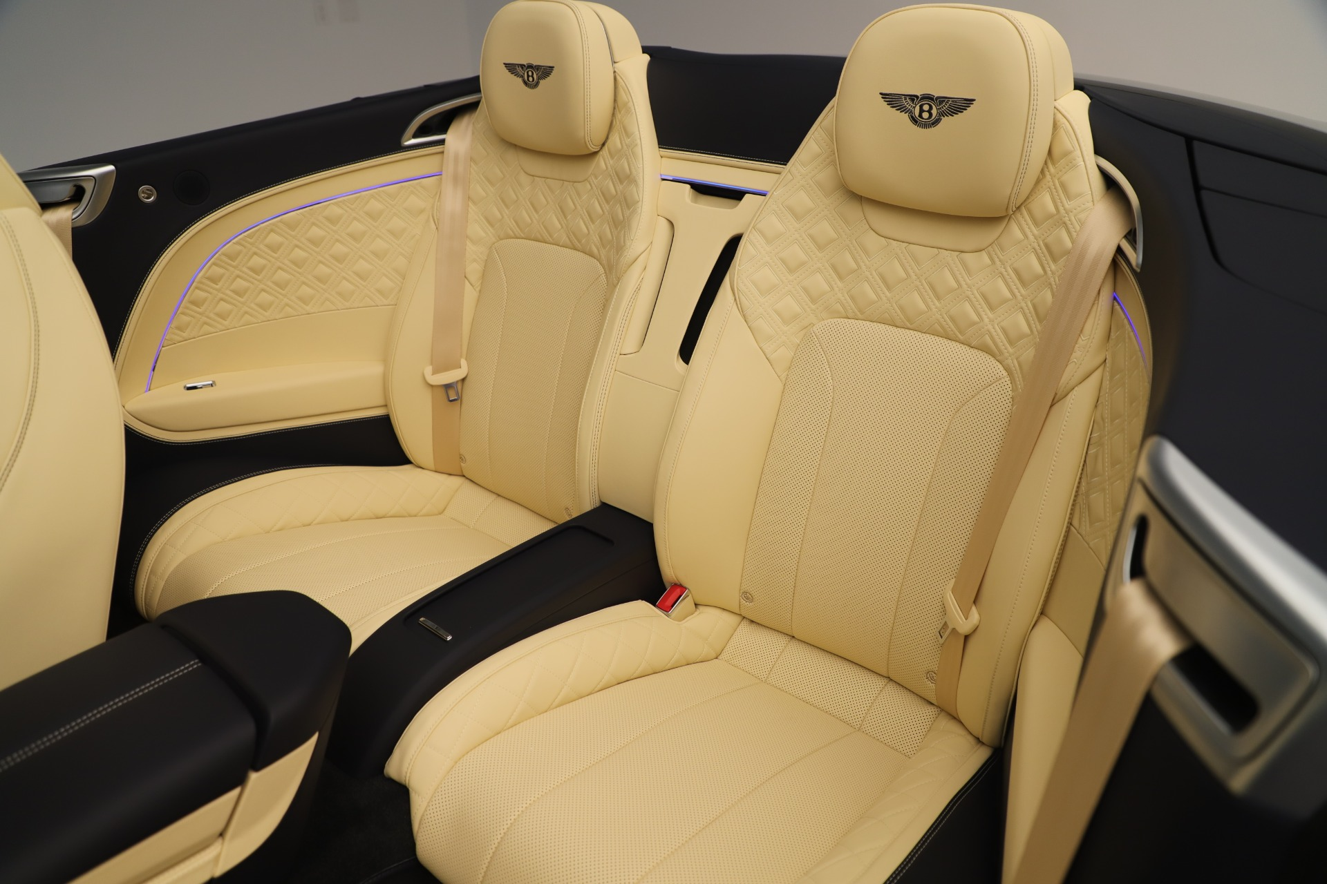 Used 2020 Bentley Continental GTC V8 For Sale In Westport, CT 3472_p29