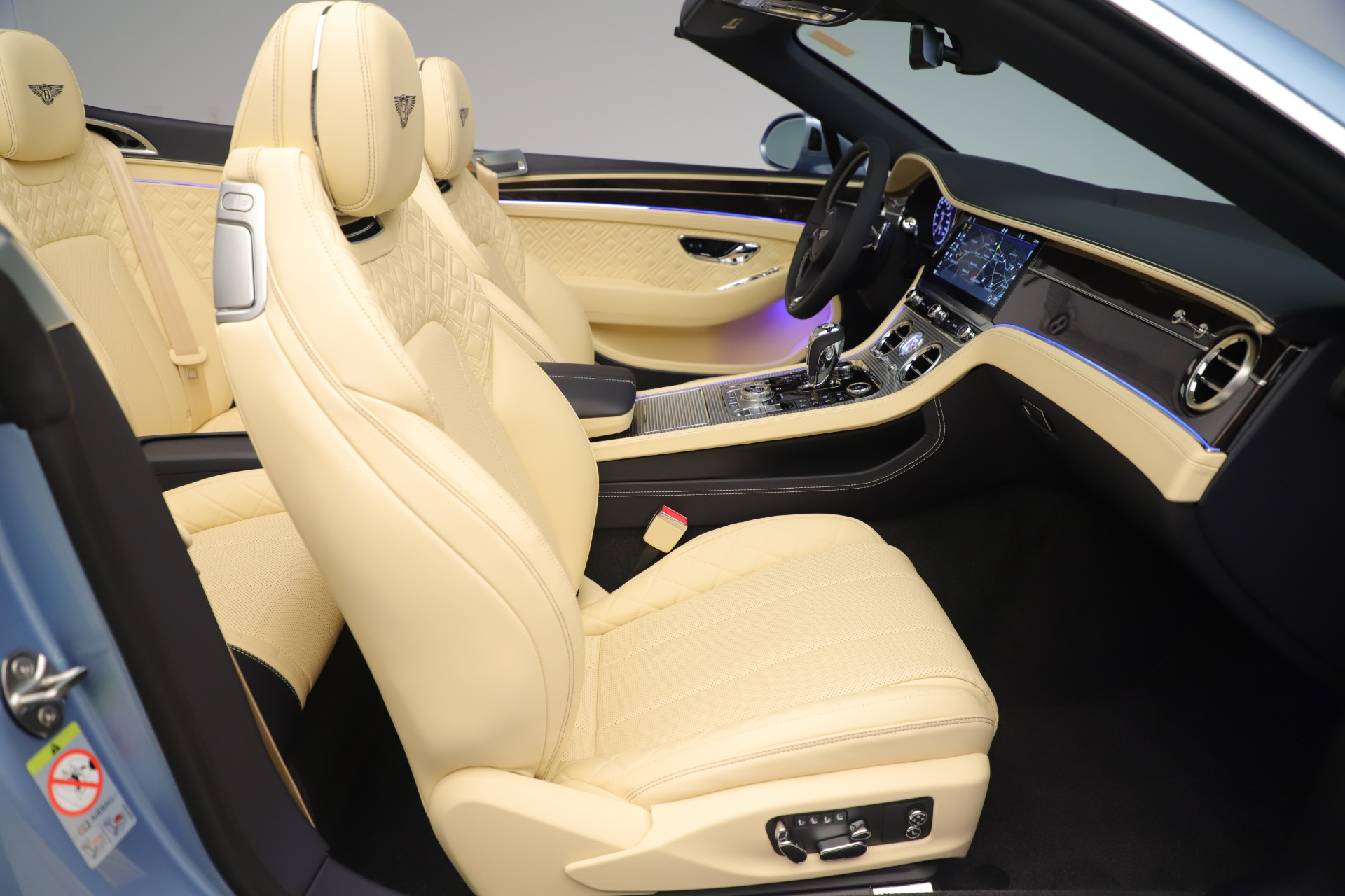 Used 2020 Bentley Continental GTC V8 For Sale In Westport, CT 3472_p31