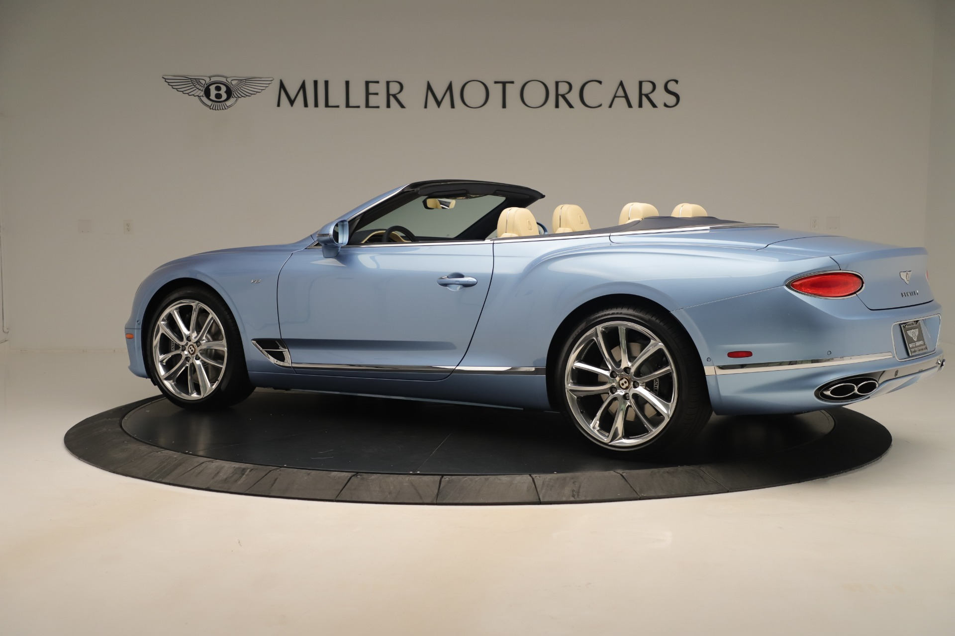 Used 2020 Bentley Continental GTC V8 For Sale In Westport, CT 3472_p4