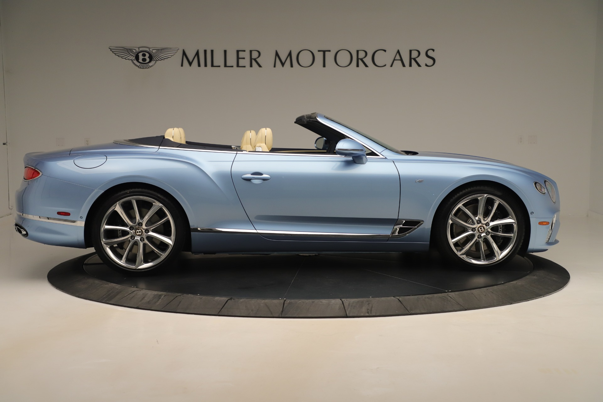 Used 2020 Bentley Continental GTC V8 For Sale In Westport, CT 3472_p9