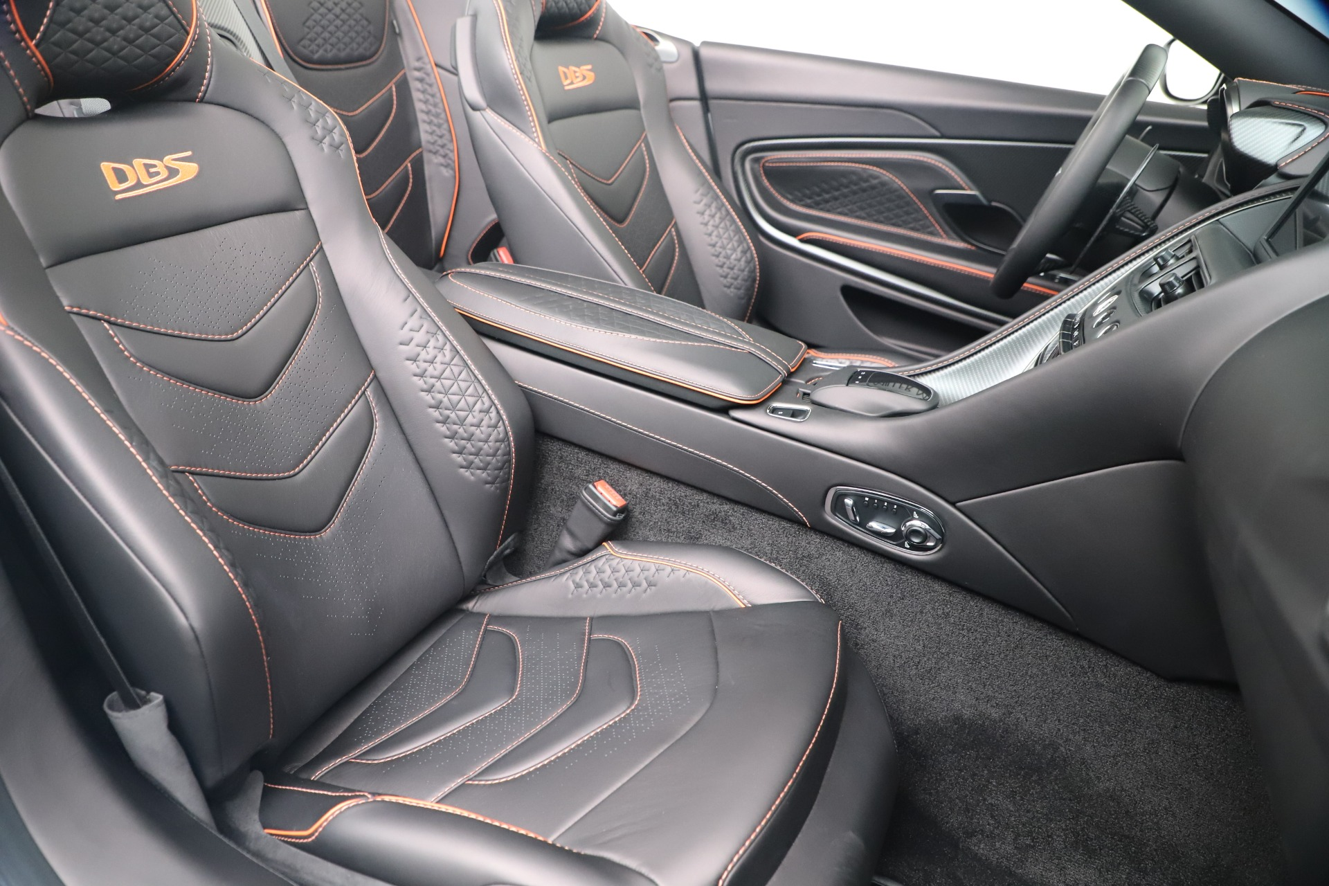 New 2020 Aston Martin DBS Superleggera Volante Convertible For Sale In Westport, CT 3484_p23