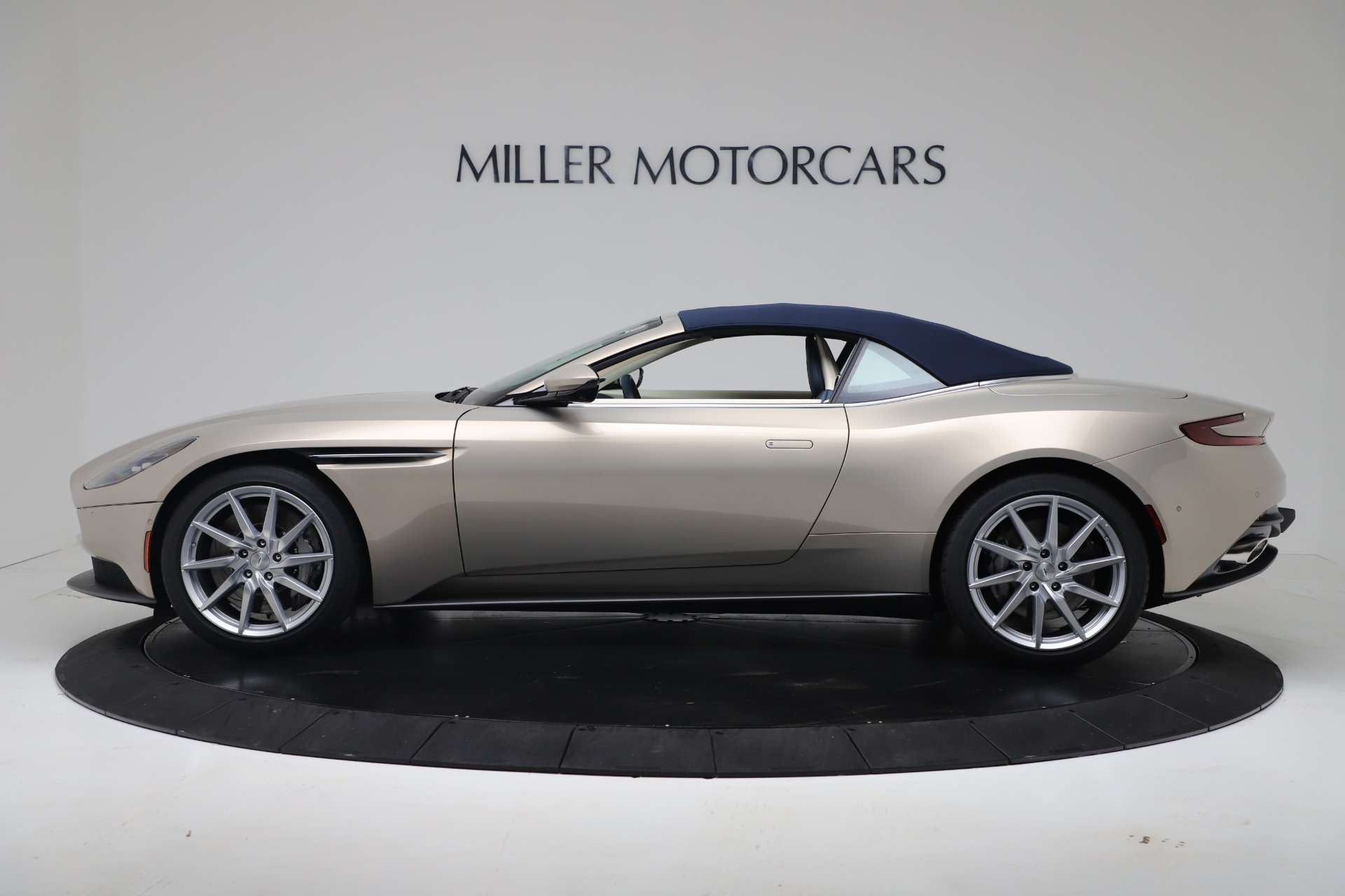 New 2020 Aston Martin DB11 V8 For Sale In Westport, CT 3485_p33