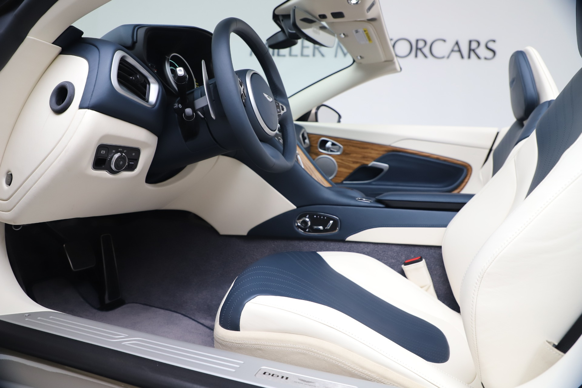 New 2020 Aston Martin DB11 V8 For Sale In Westport, CT 3485_p40