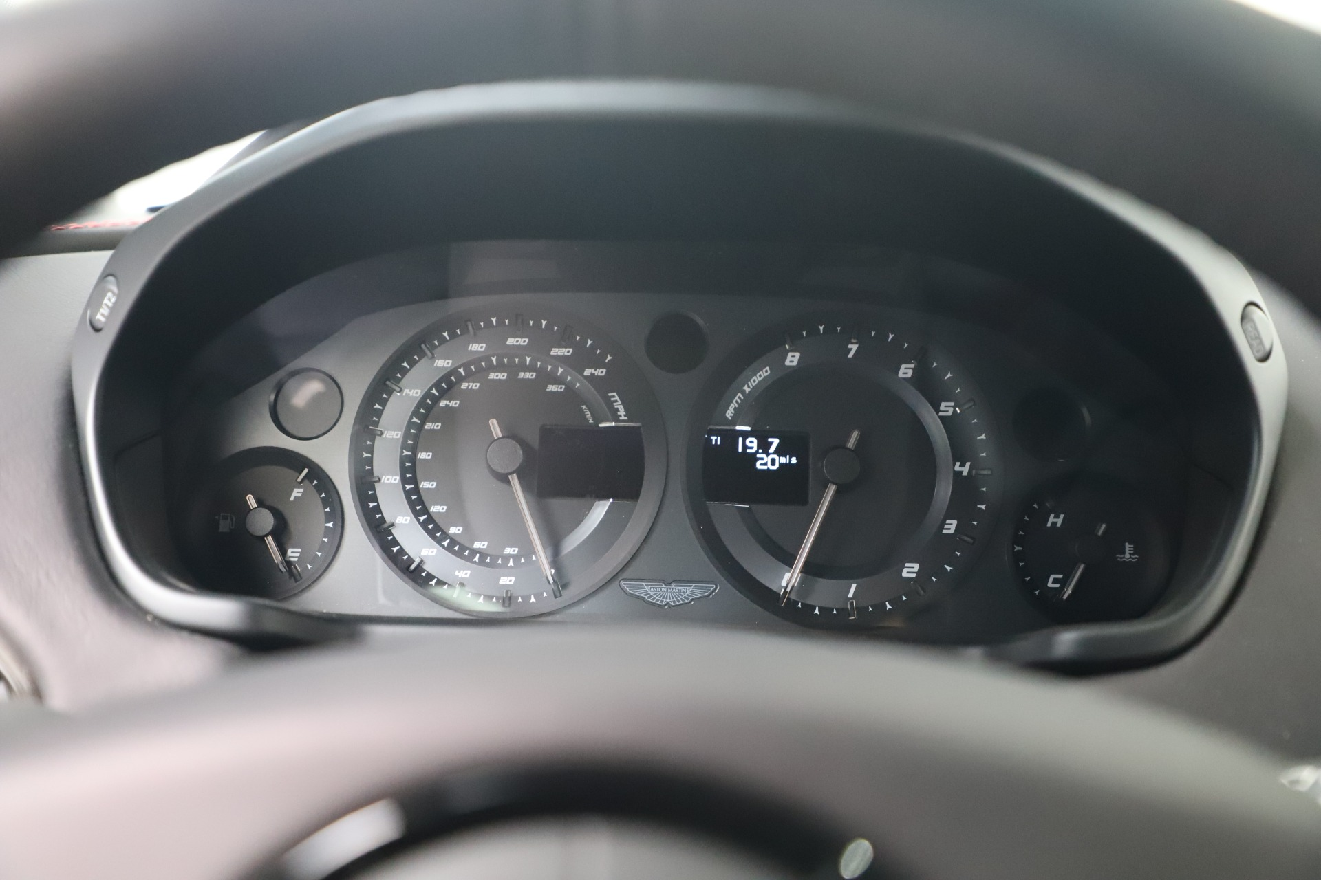 New 2019 Aston Martin Vanquish Shooting Brake For Sale In Westport, CT 3512_p17