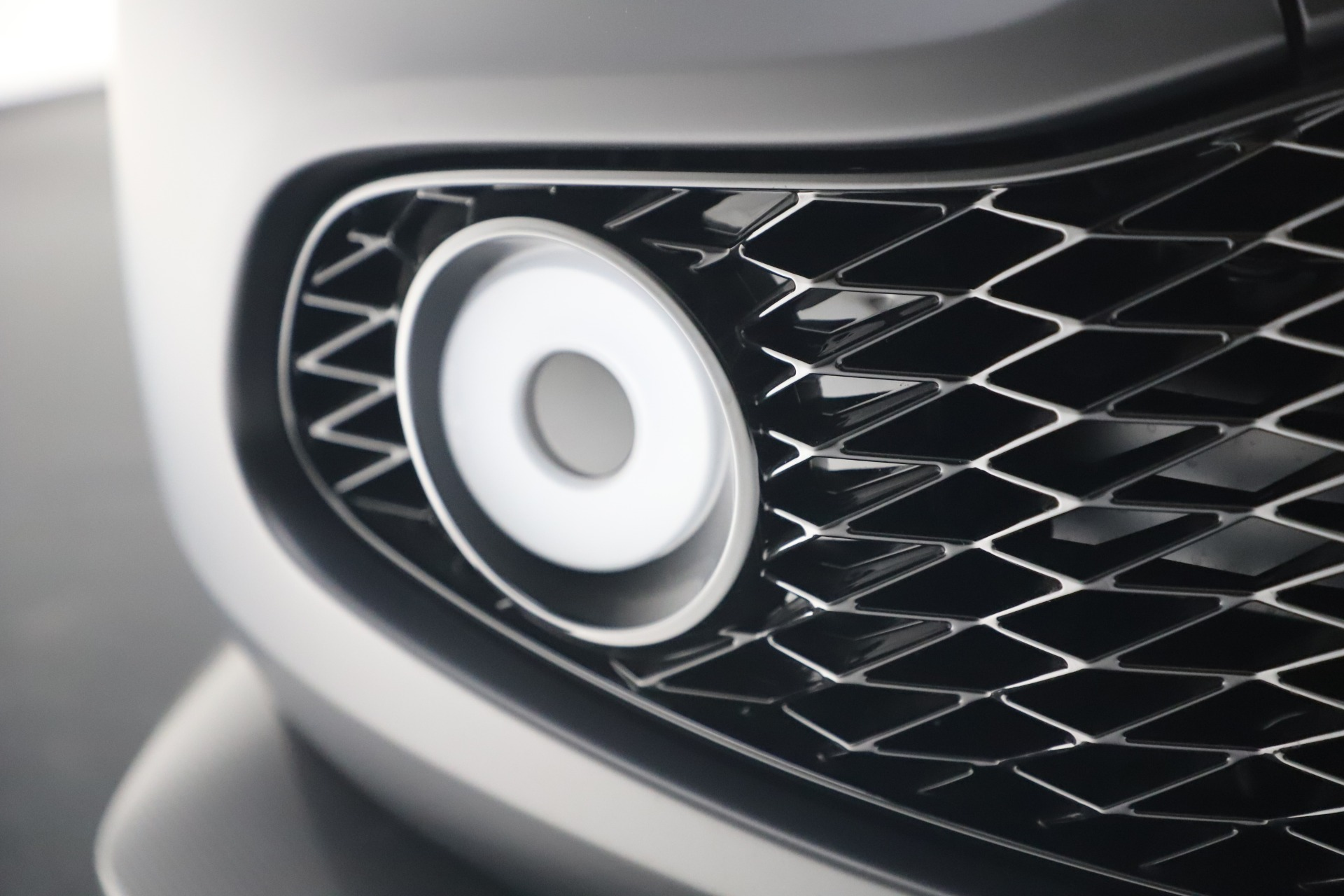 New 2019 Aston Martin Vanquish Shooting Brake For Sale In Westport, CT 3512_p24