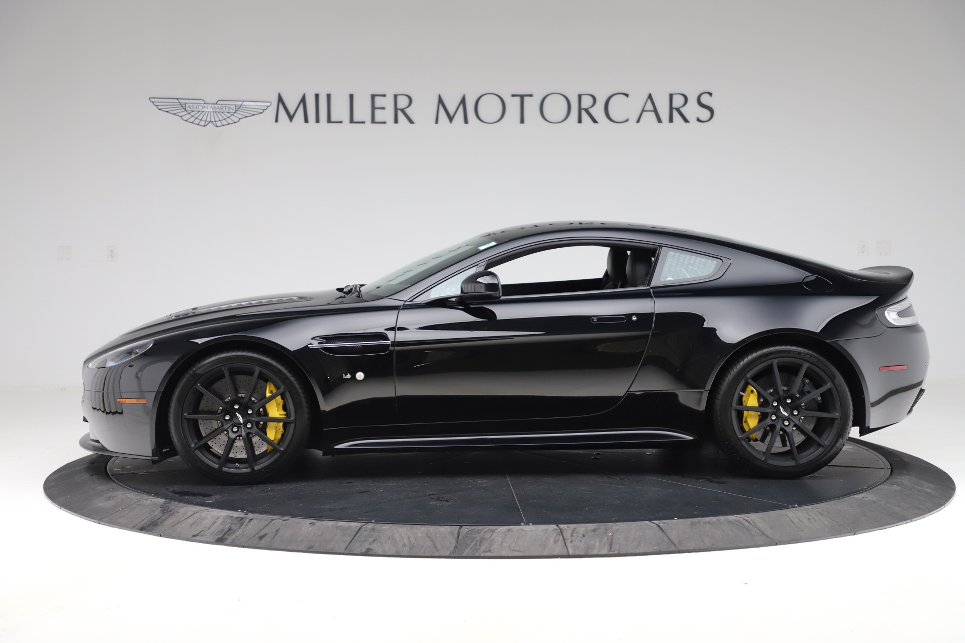 Used 2015 Aston Martin V12 Vantage S Coupe For Sale In Westport, CT 3513_p3