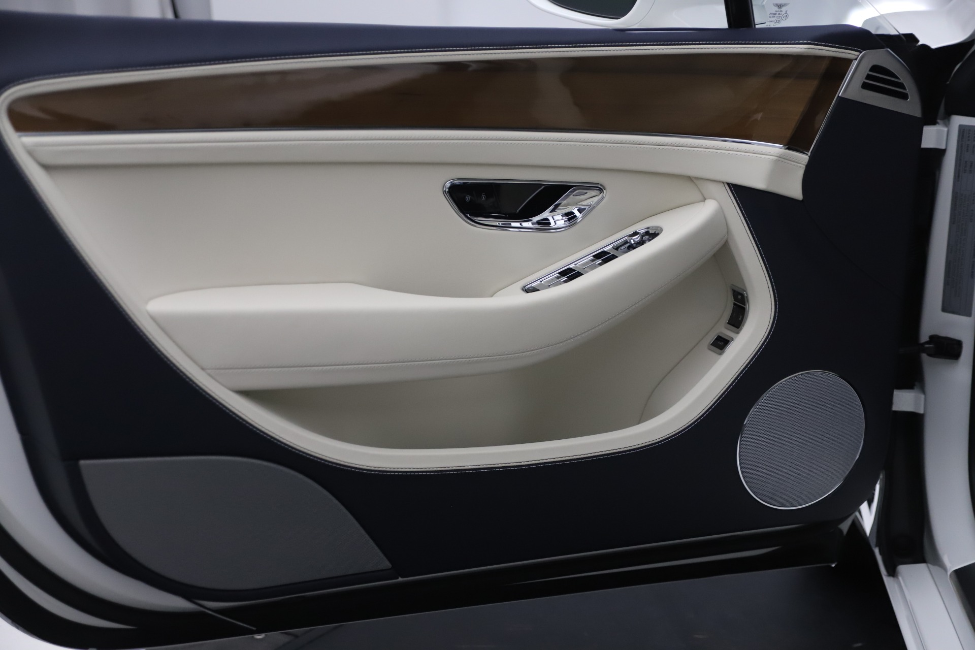 New 2020 Bentley Continental GTC V8 For Sale In Westport, CT 3516_p22