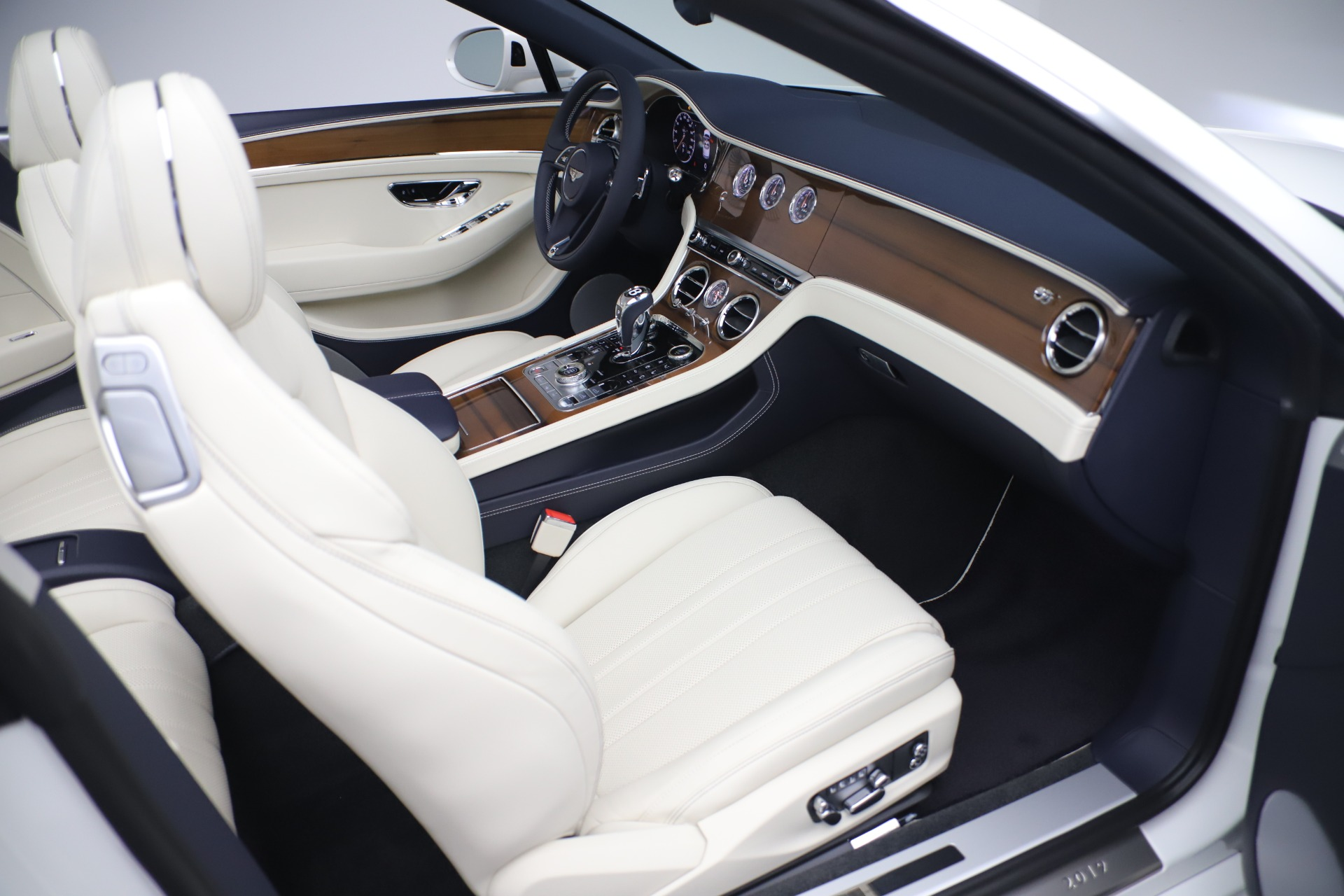 New 2020 Bentley Continental GT V8 For Sale In Westport, CT 3516_p31