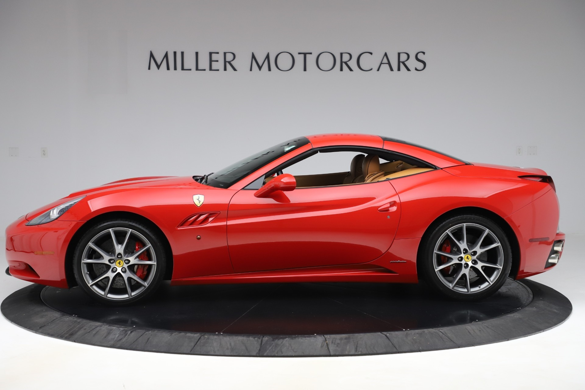 Used 2013 Ferrari California  For Sale In Westport, CT 3522_p14
