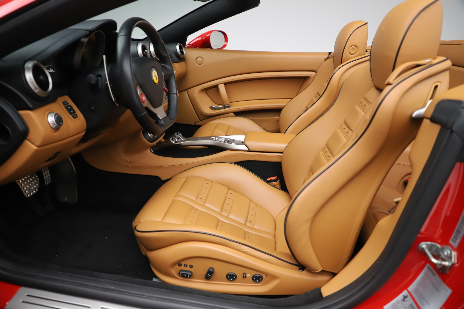 Used 2013 Ferrari California  For Sale In Westport, CT 3522_p20