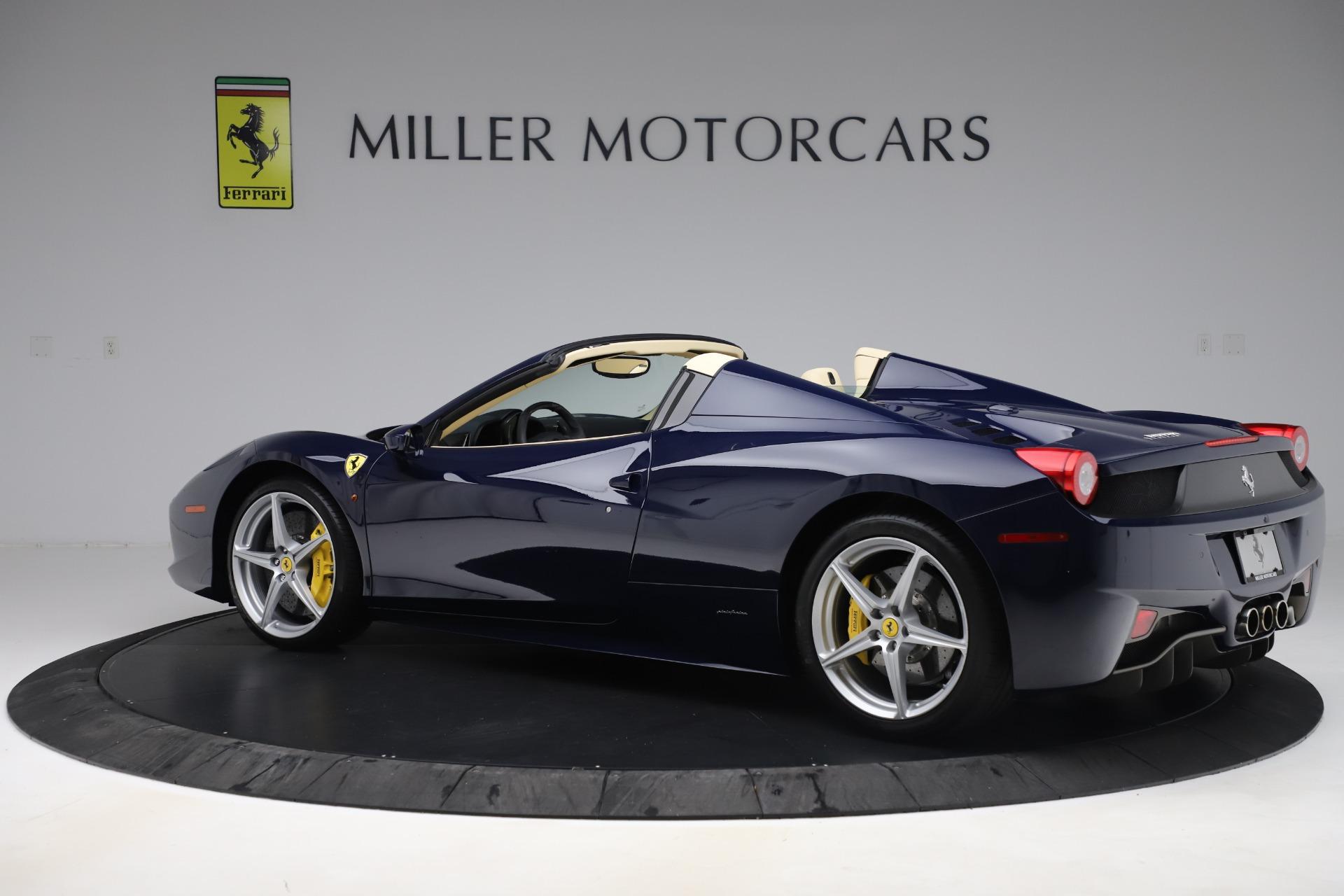 Used 2013 Ferrari 458 Spider  For Sale In Westport, CT 3525_p4