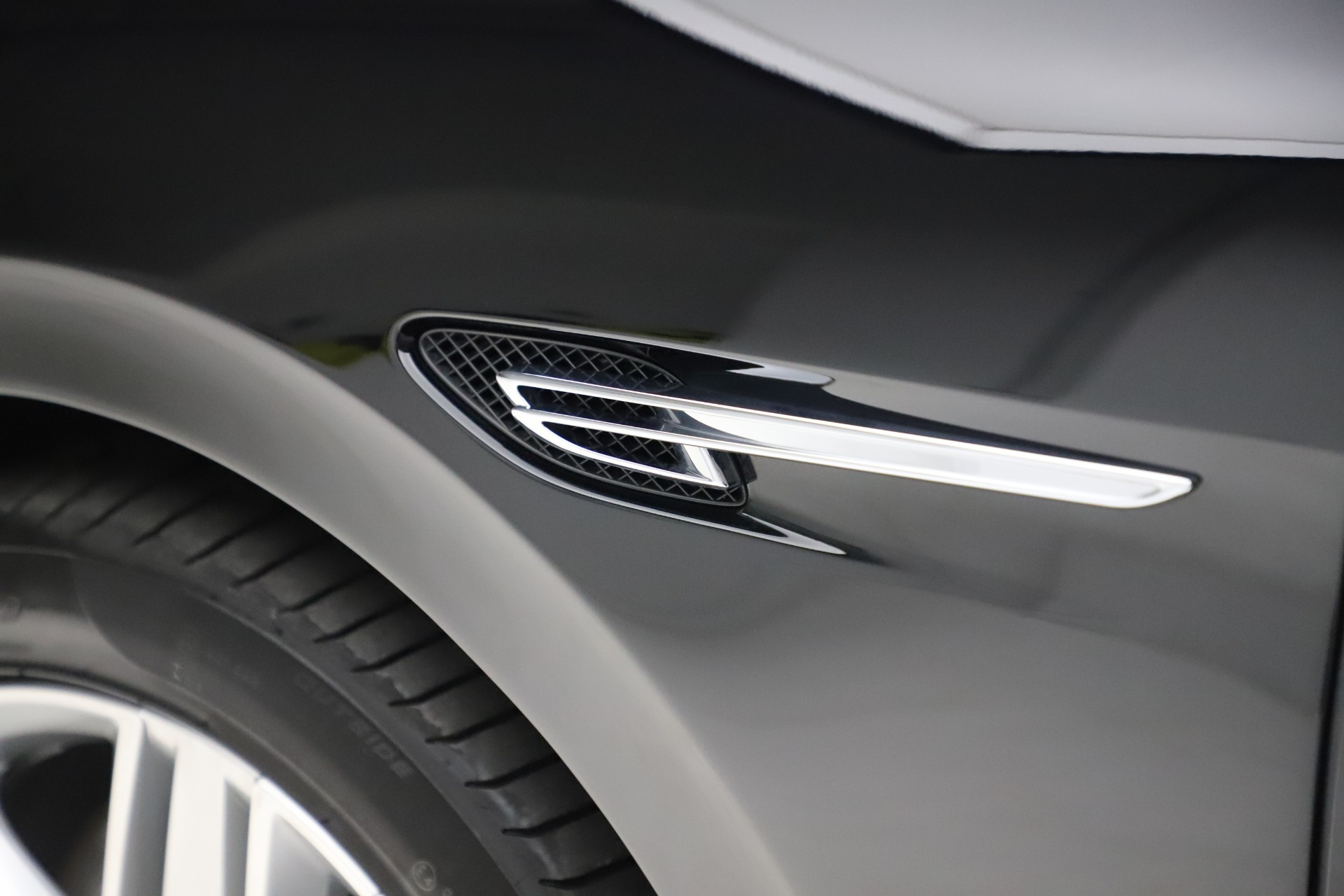 Used 2016 Bentley Flying Spur V8 For Sale In Westport, CT 3526_p16