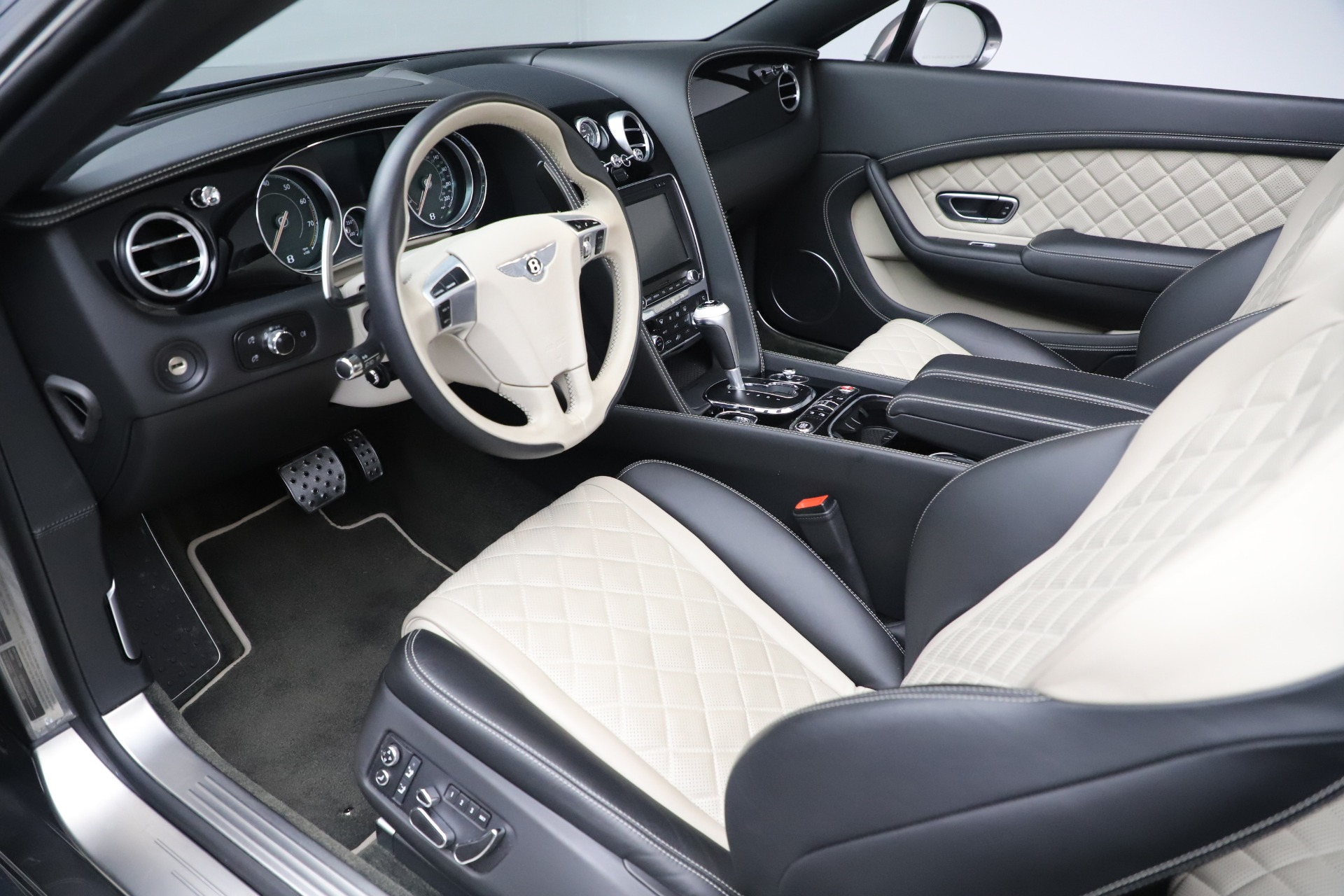 Used 2016 Bentley Continental GT V8 S For Sale In Westport, CT 3527_p23