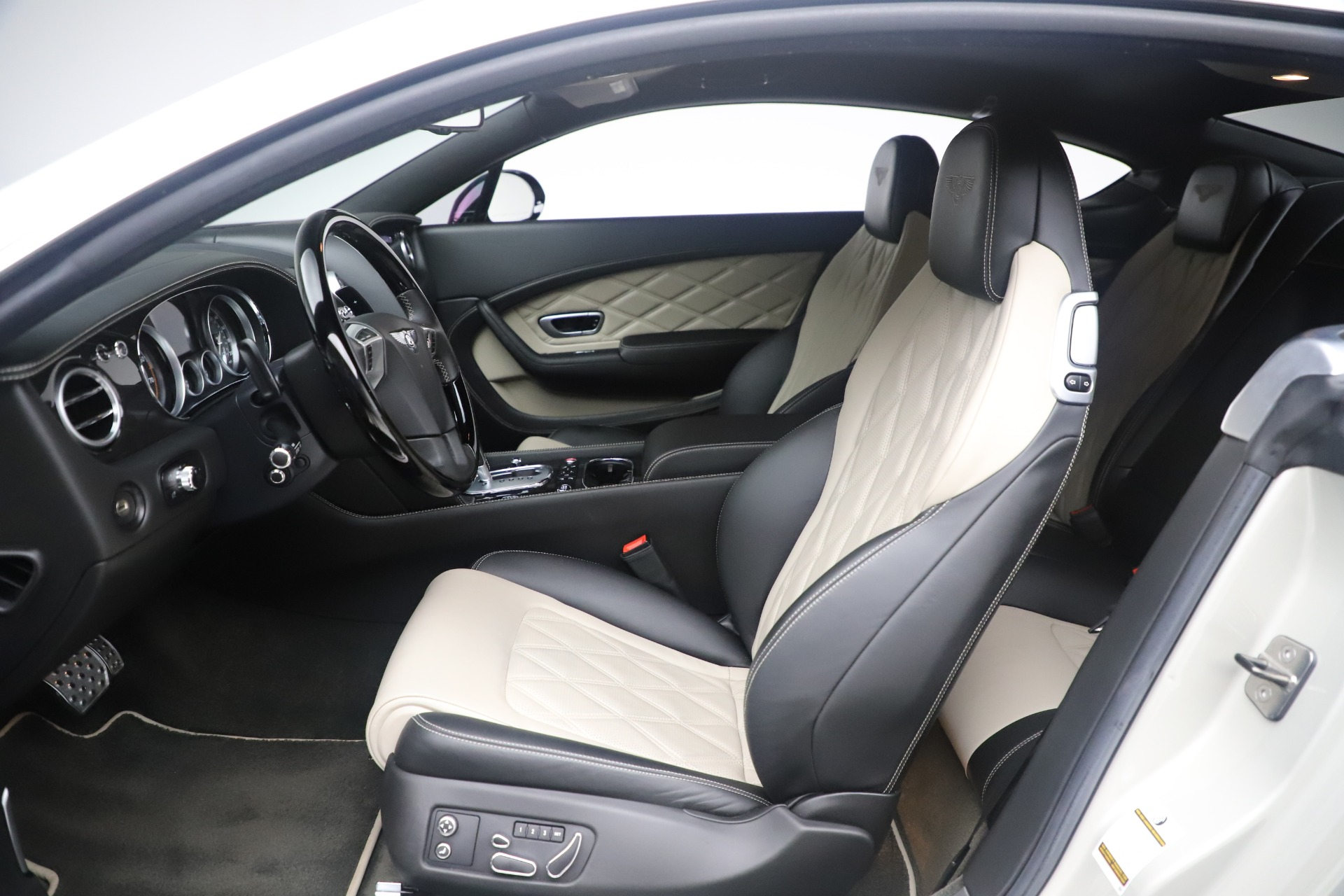 Used 2014 Bentley Continental GT V8 S For Sale In Westport, CT 3541_p18