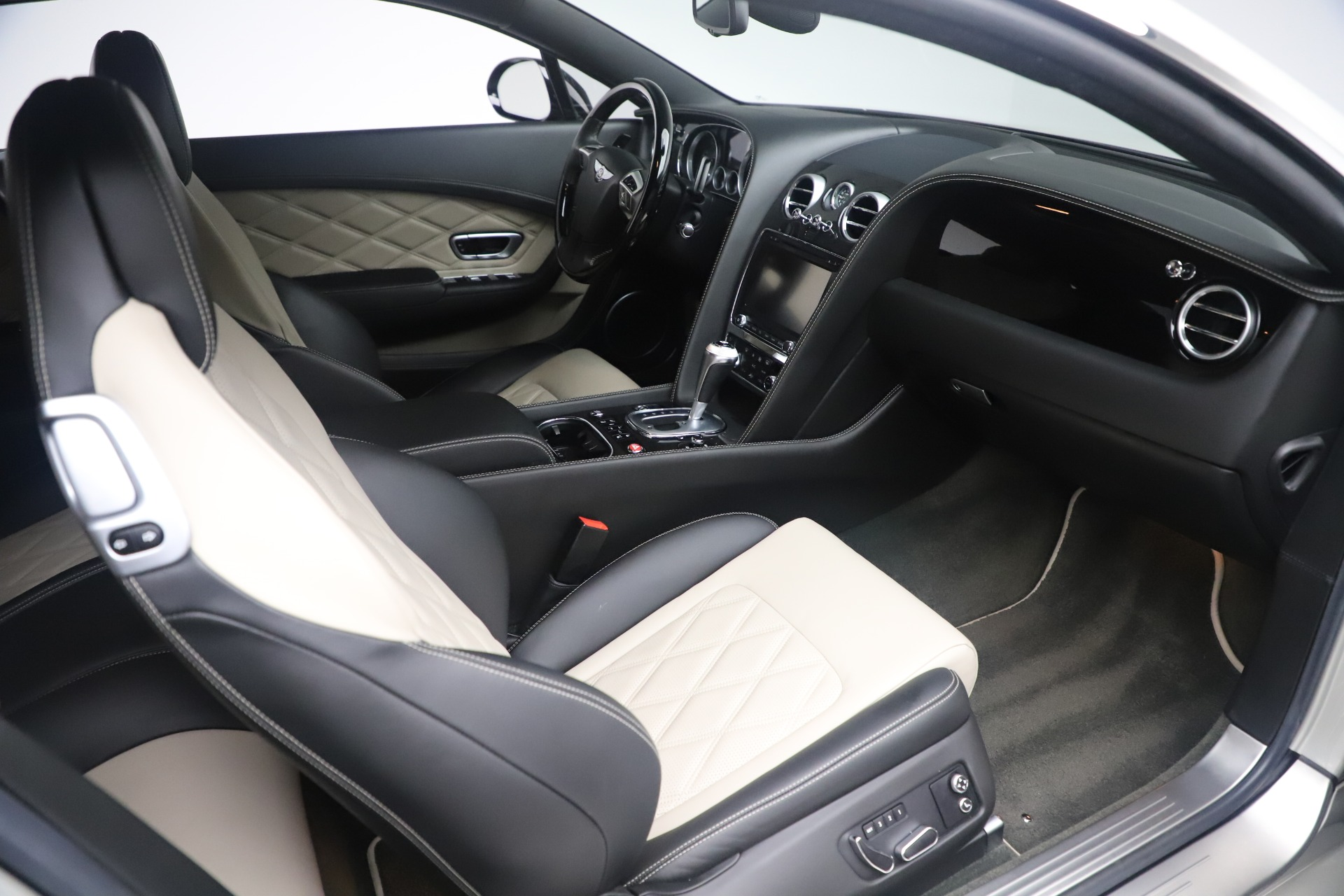 Used 2014 Bentley Continental GT V8 S For Sale In Westport, CT 3541_p23