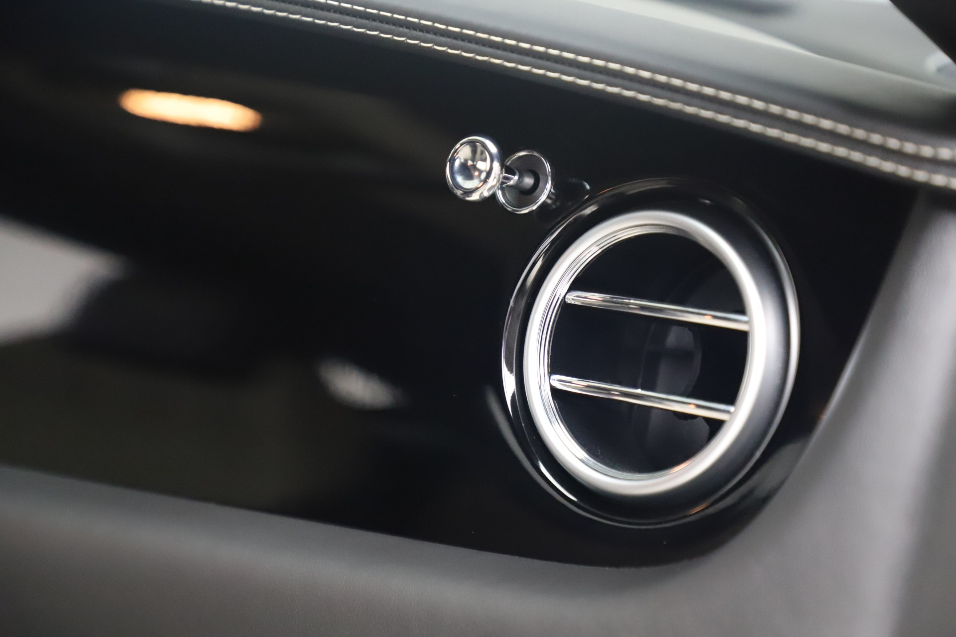 Used 2014 Bentley Continental GT V8 S For Sale In Westport, CT 3541_p26