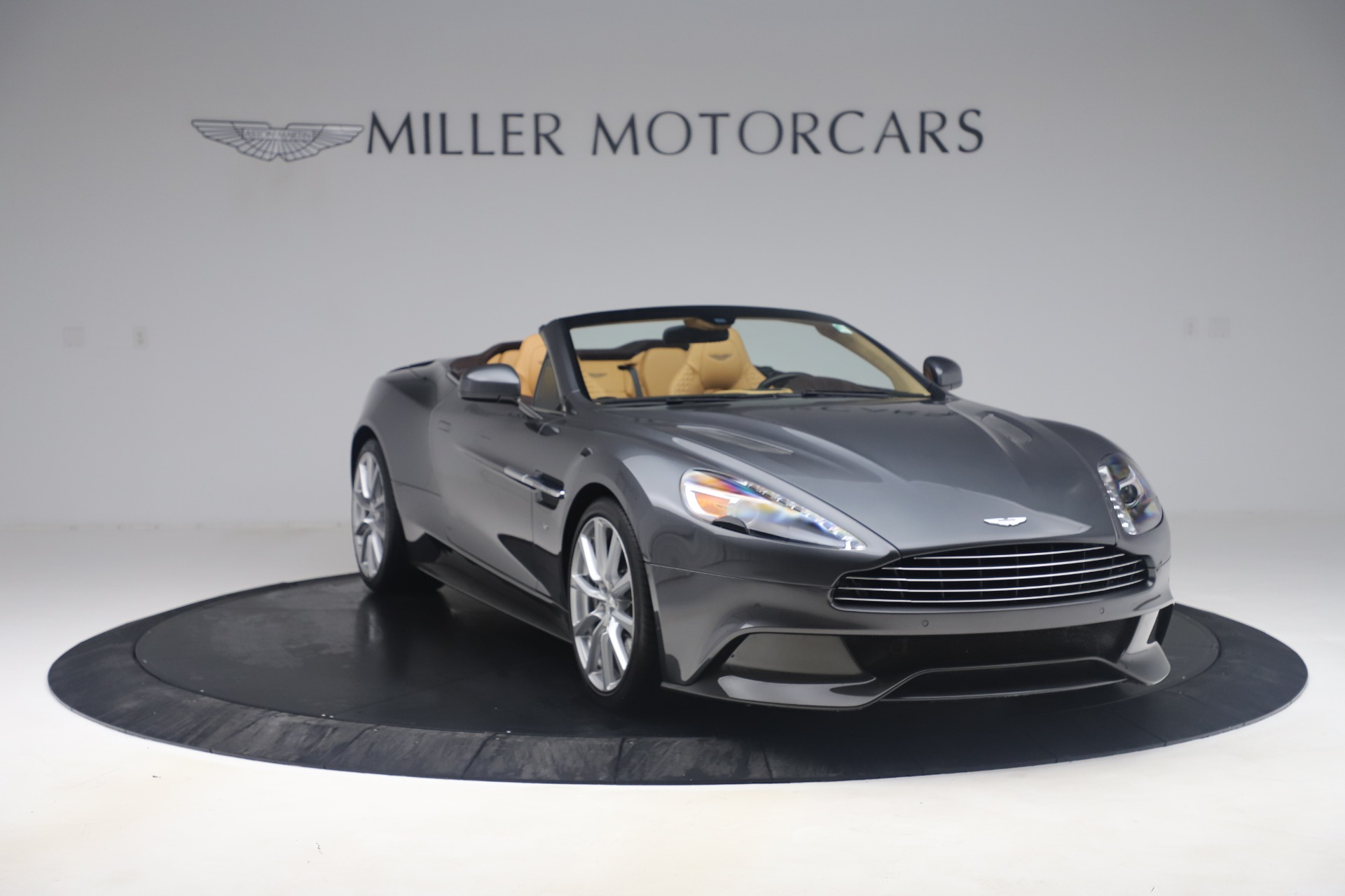 Used 2016 Aston Martin Vanquish Volante For Sale In Westport, CT 3542_p10