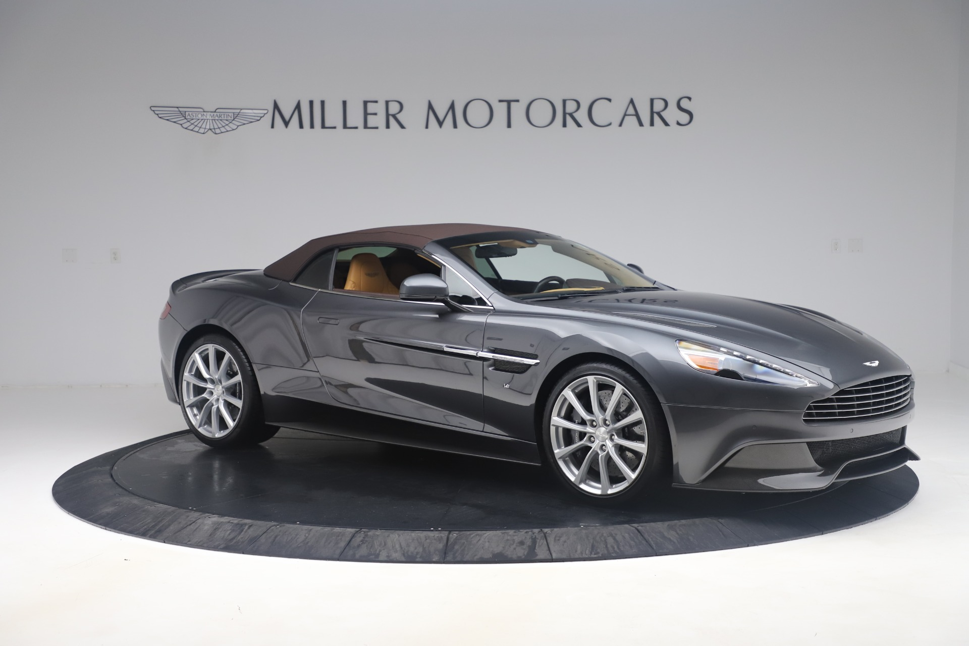 Used 2016 Aston Martin Vanquish Volante For Sale In Westport, CT 3542_p14