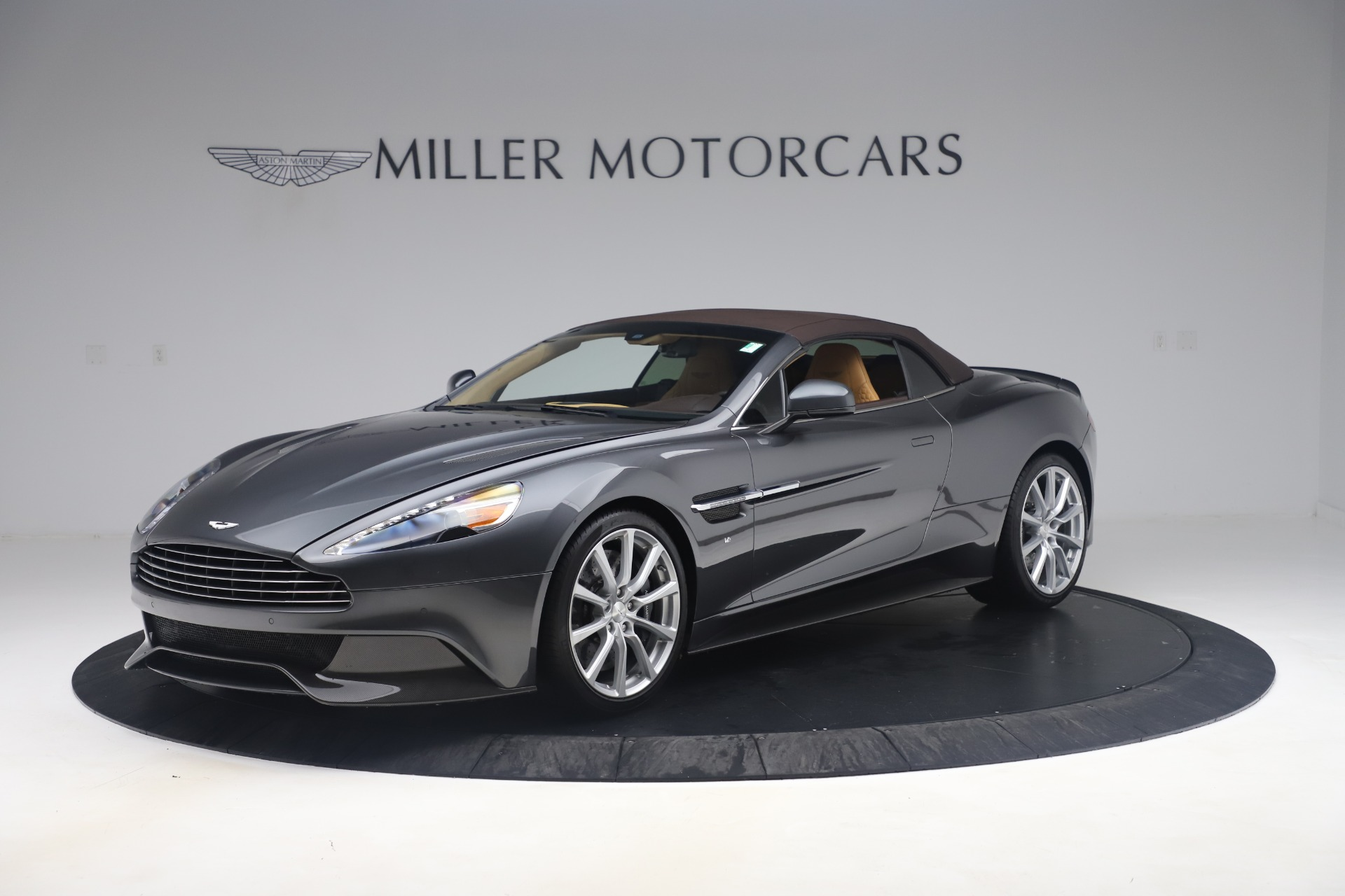 Used 2016 Aston Martin Vanquish Volante For Sale In Westport, CT 3542_p18