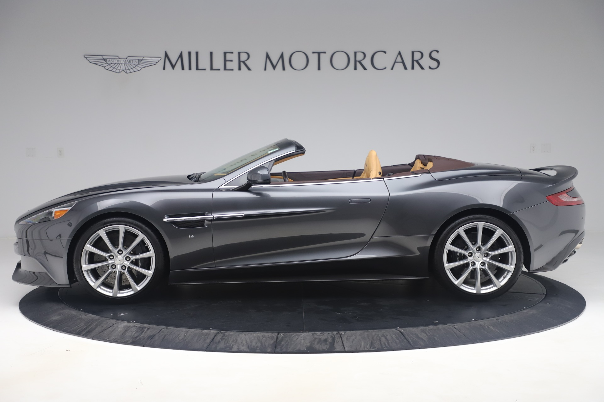 Used 2016 Aston Martin Vanquish Volante For Sale In Westport, CT 3542_p2