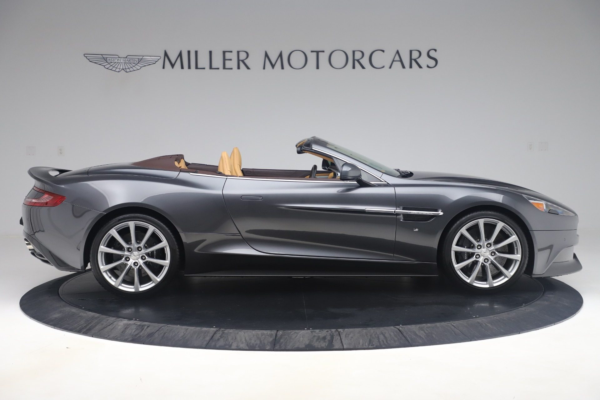 Used 2016 Aston Martin Vanquish Volante For Sale In Westport, CT 3542_p8