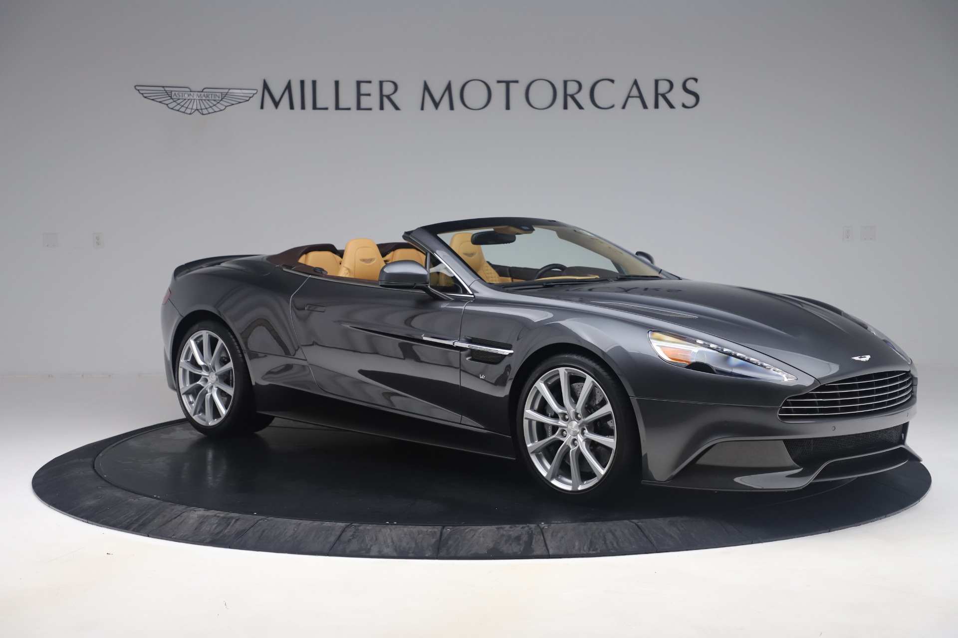 Used 2016 Aston Martin Vanquish Volante For Sale In Westport, CT 3542_p9