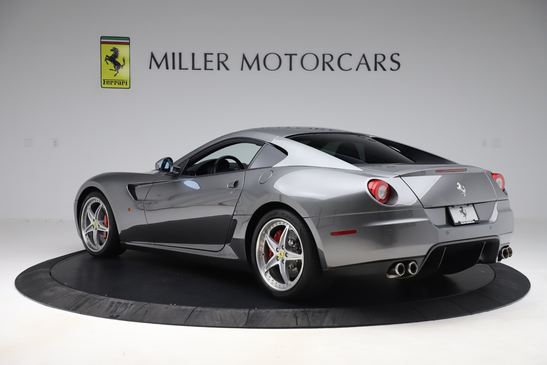 Used 2010 Ferrari 599 GTB Fiorano HGTE For Sale In Westport, CT 3544_p4