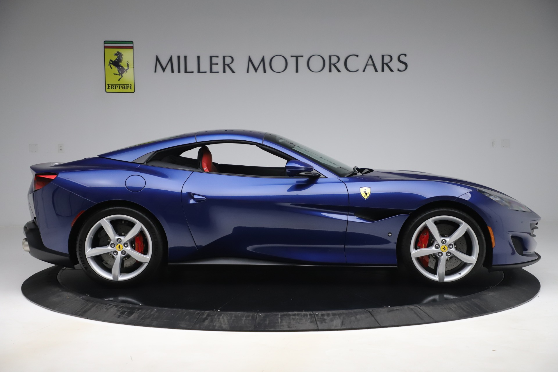 Used 2019 Ferrari Portofino  For Sale In Westport, CT 3548_p17