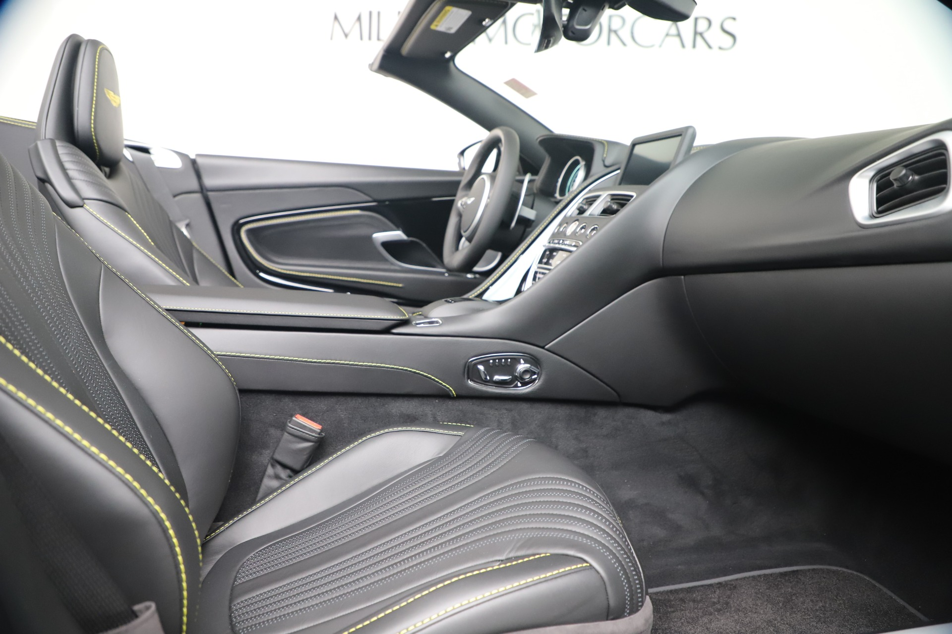 New 2020 Aston Martin DB11 V8 For Sale In Westport, CT 3549_p27