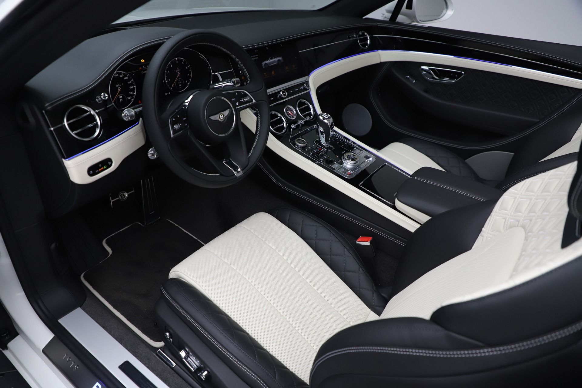New 2020 Bentley Continental GTC V8 For Sale In Westport, CT 3561_p26