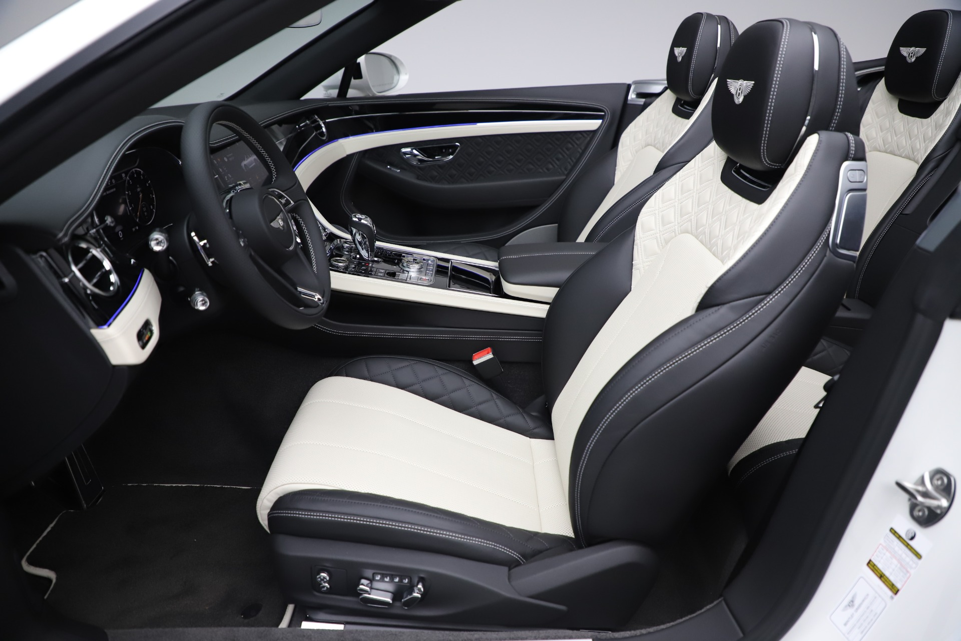 New 2020 Bentley Continental GTC V8 For Sale In Westport, CT 3561_p27