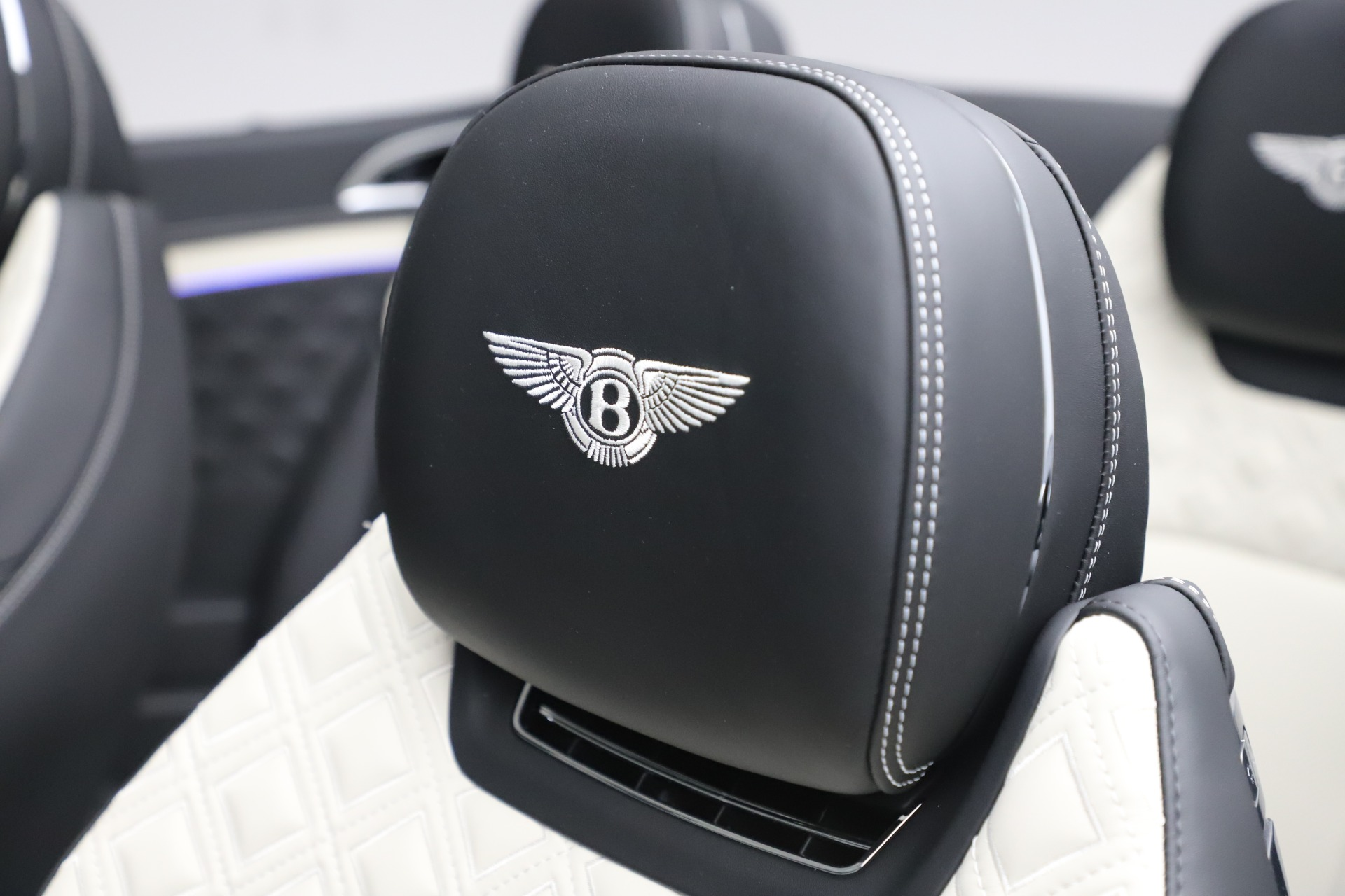 New 2020 Bentley Continental GTC V8 For Sale In Westport, CT 3561_p30