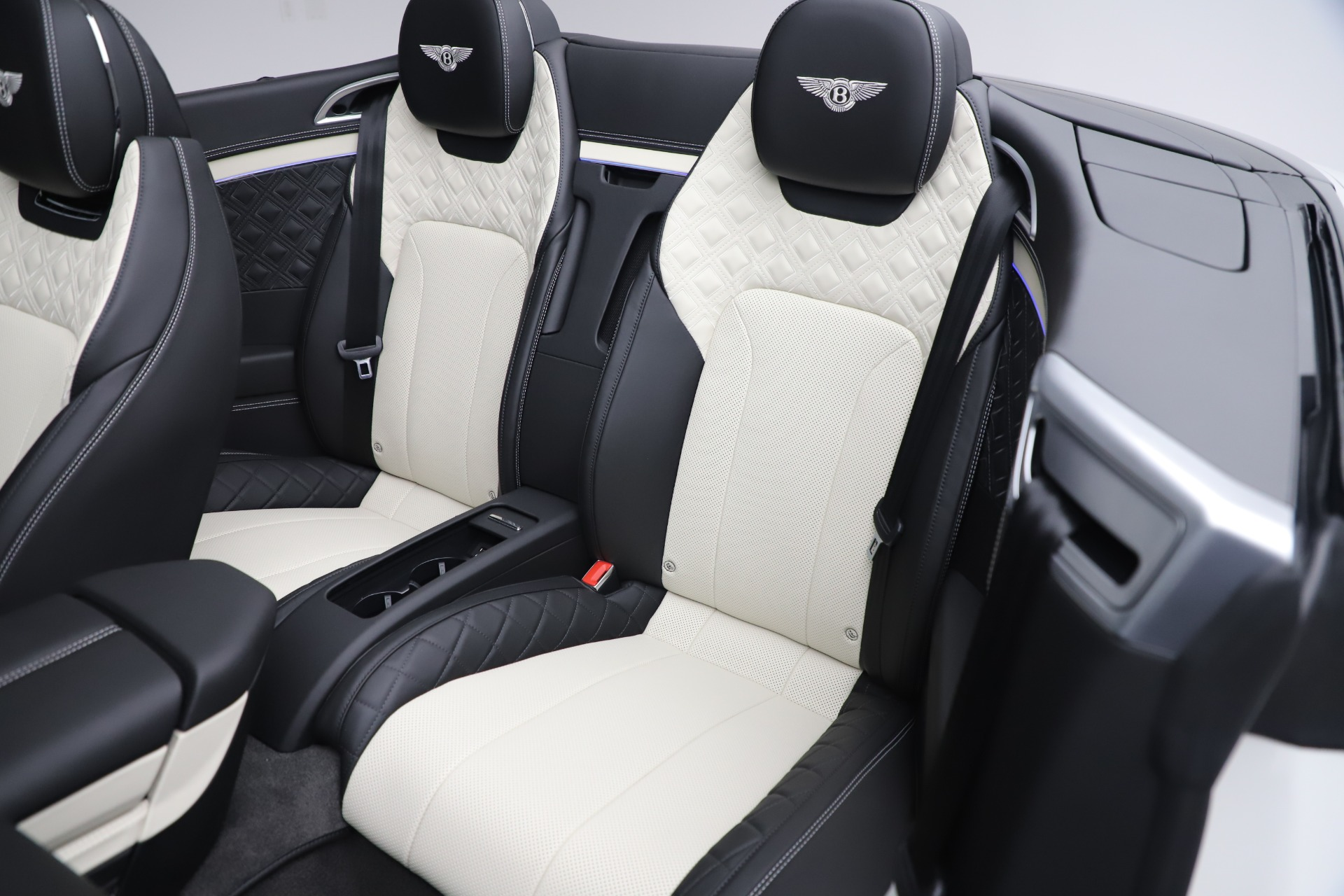 New 2020 Bentley Continental GTC V8 For Sale In Westport, CT 3561_p31