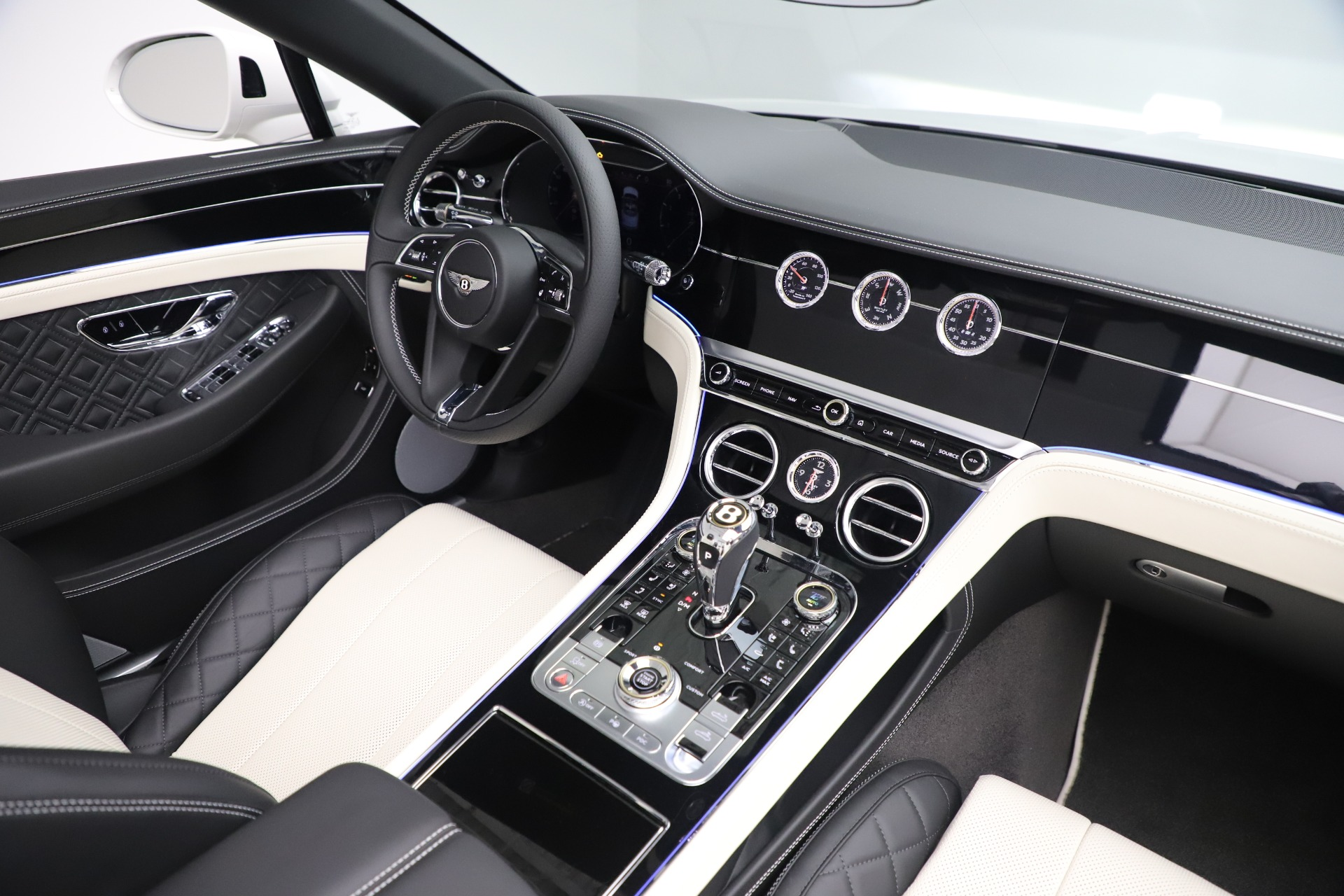 New 2020 Bentley Continental GTC V8 For Sale In Westport, CT 3561_p38