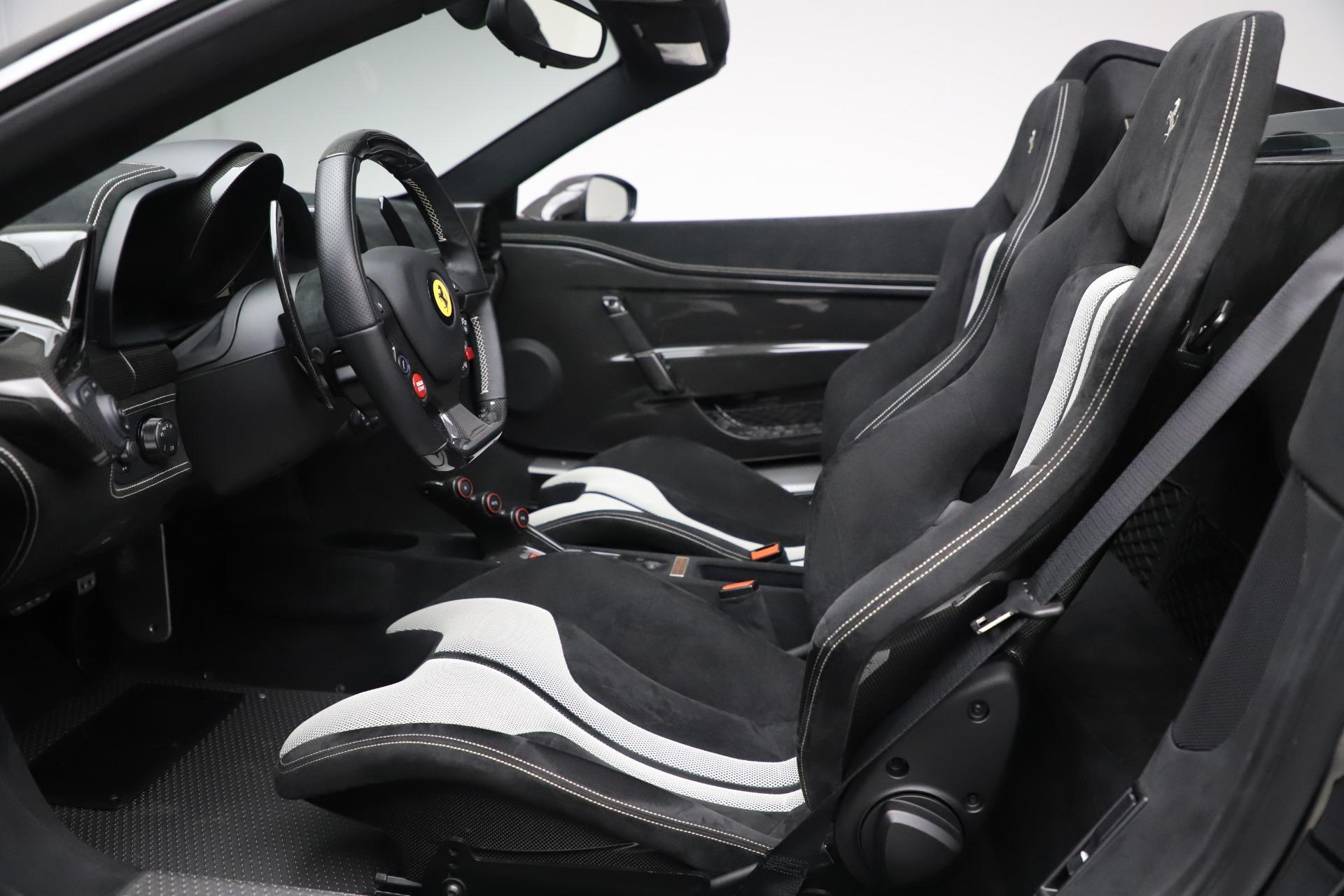 Used 2015 Ferrari 458 Speciale Aperta  For Sale In Westport, CT 3571_p21