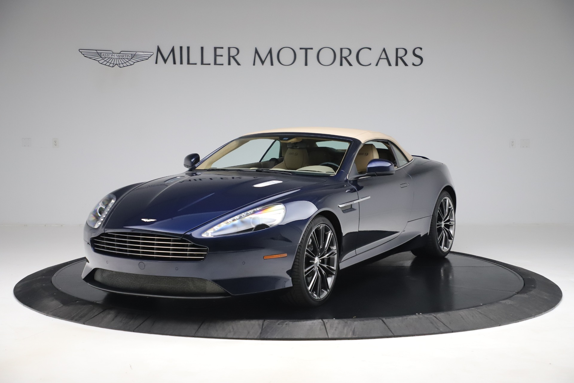 Used 2014 Aston Martin DB9 Volante For Sale In Westport, CT 3591_p13