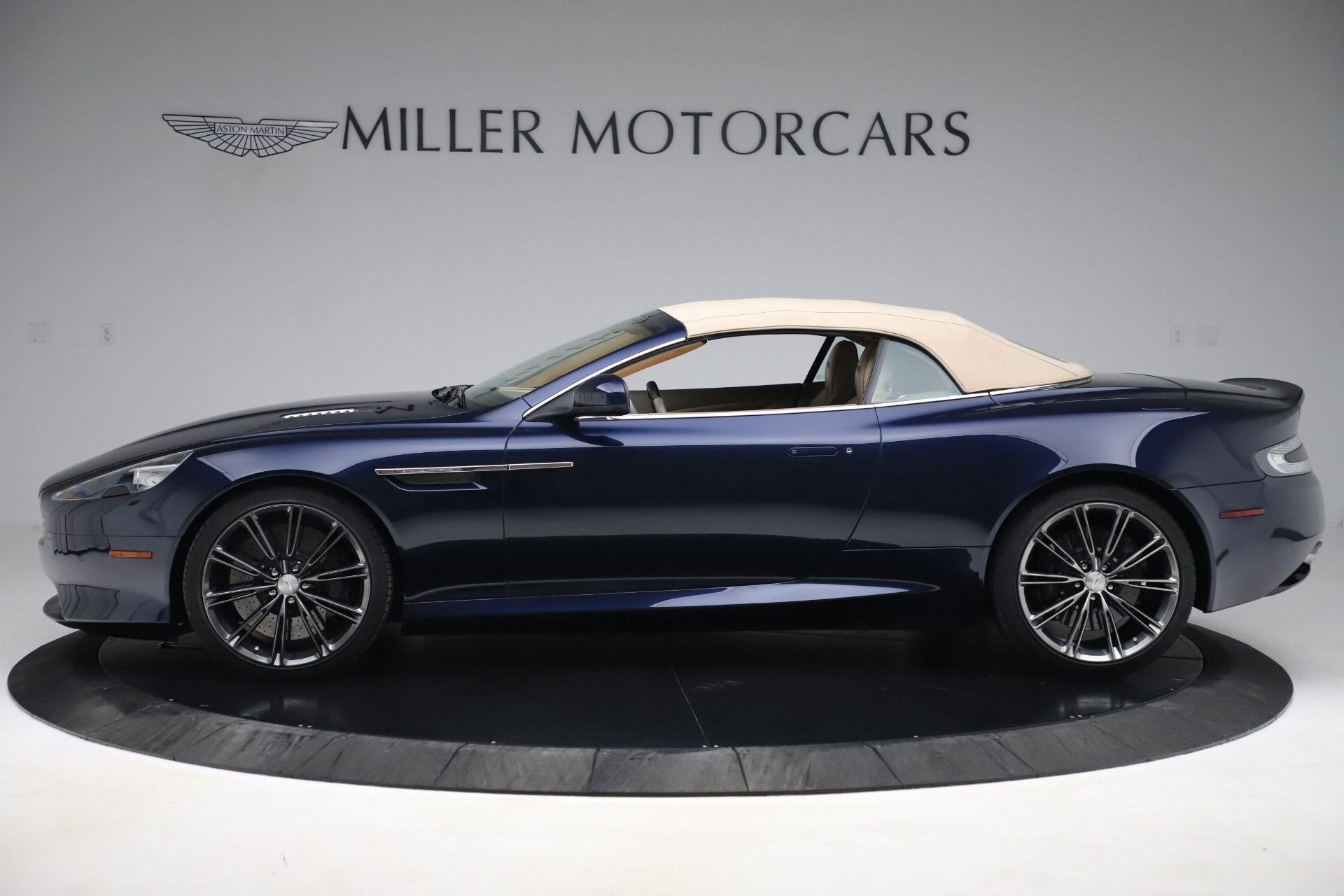 Used 2014 Aston Martin DB9 Volante For Sale In Westport, CT 3591_p14