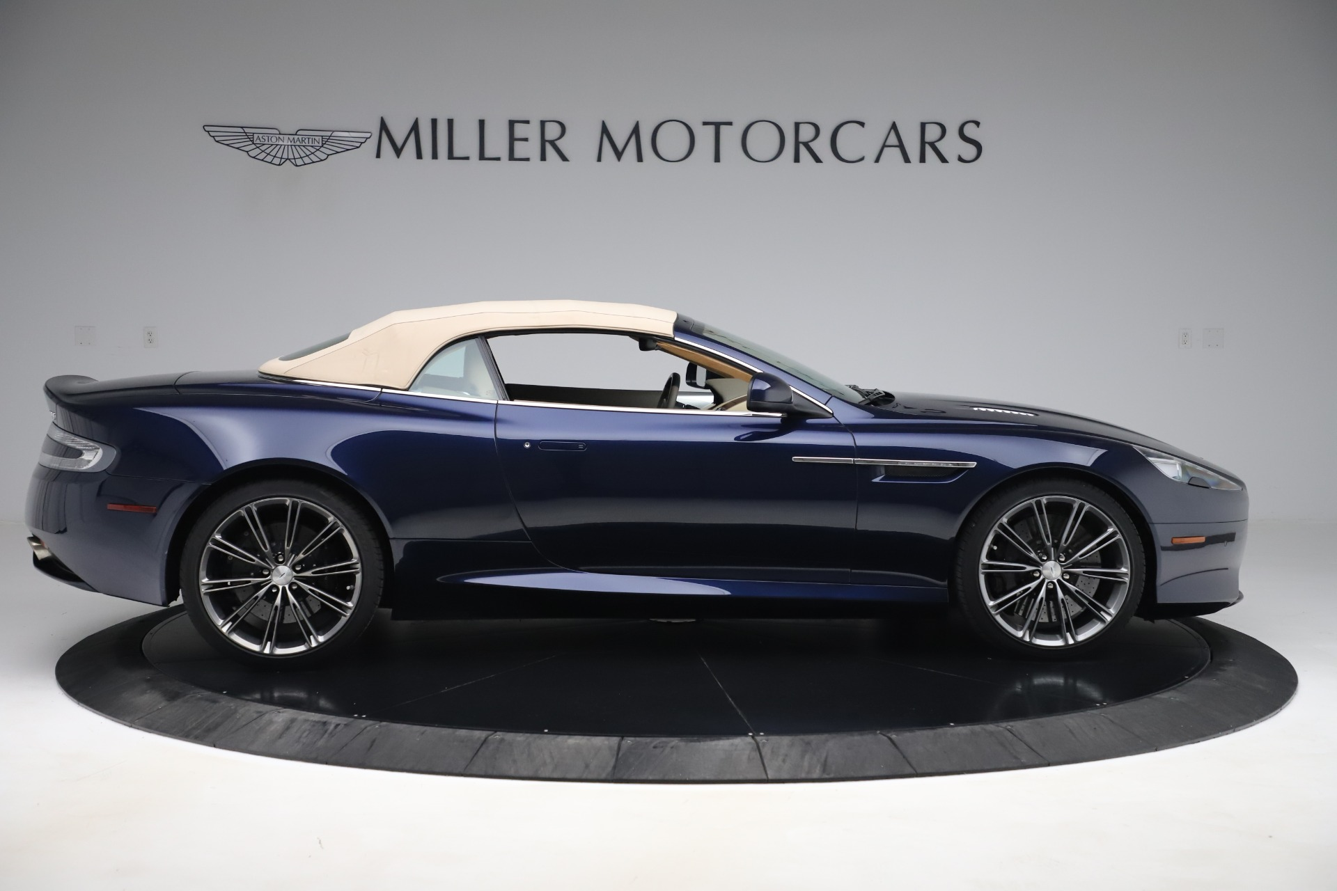 Used 2014 Aston Martin DB9 Volante For Sale In Westport, CT 3591_p17