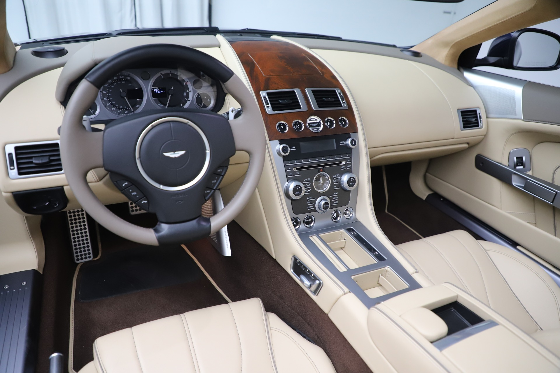 Used 2014 Aston Martin DB9 Volante For Sale In Westport, CT 3591_p19