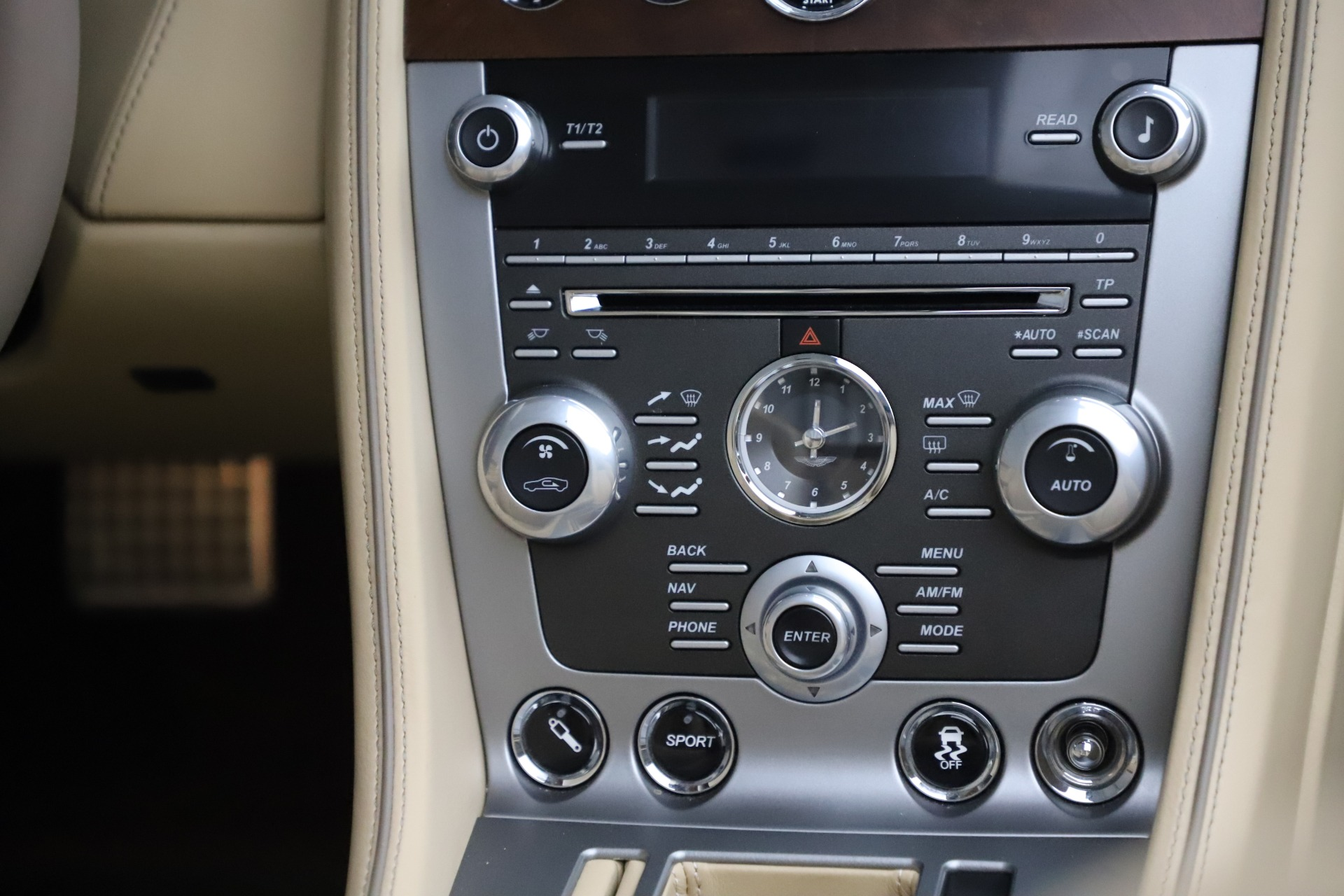 Used 2014 Aston Martin DB9 Volante For Sale In Westport, CT 3591_p30
