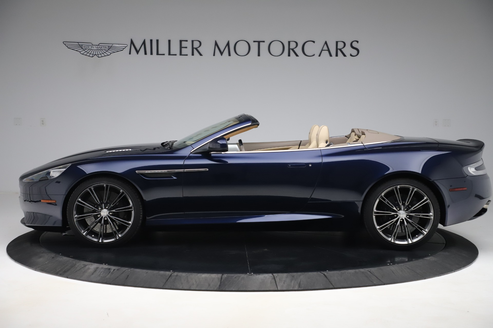 Used 2014 Aston Martin DB9 Volante For Sale In Westport, CT 3591_p3