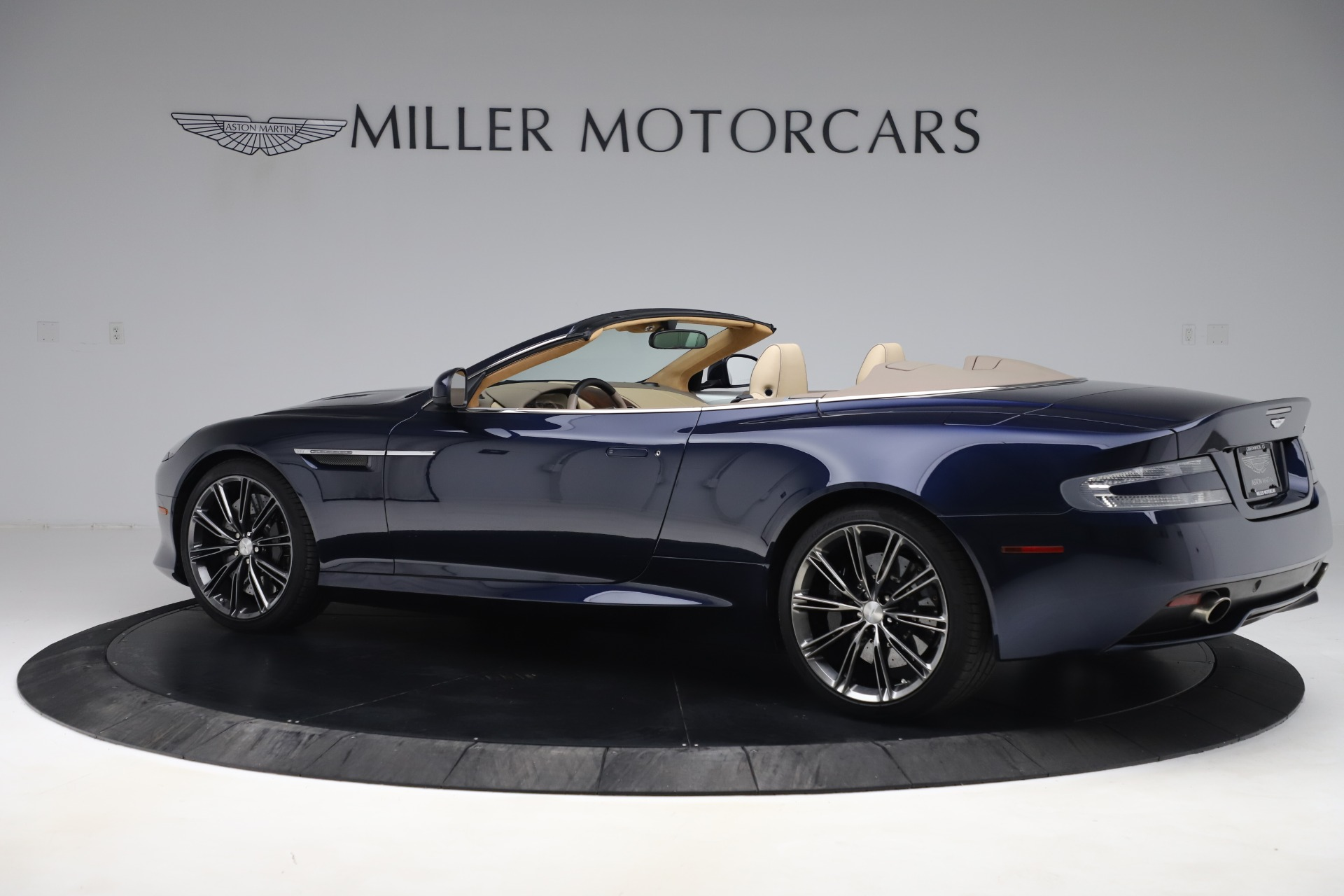 Used 2014 Aston Martin DB9 Volante For Sale In Westport, CT 3591_p4