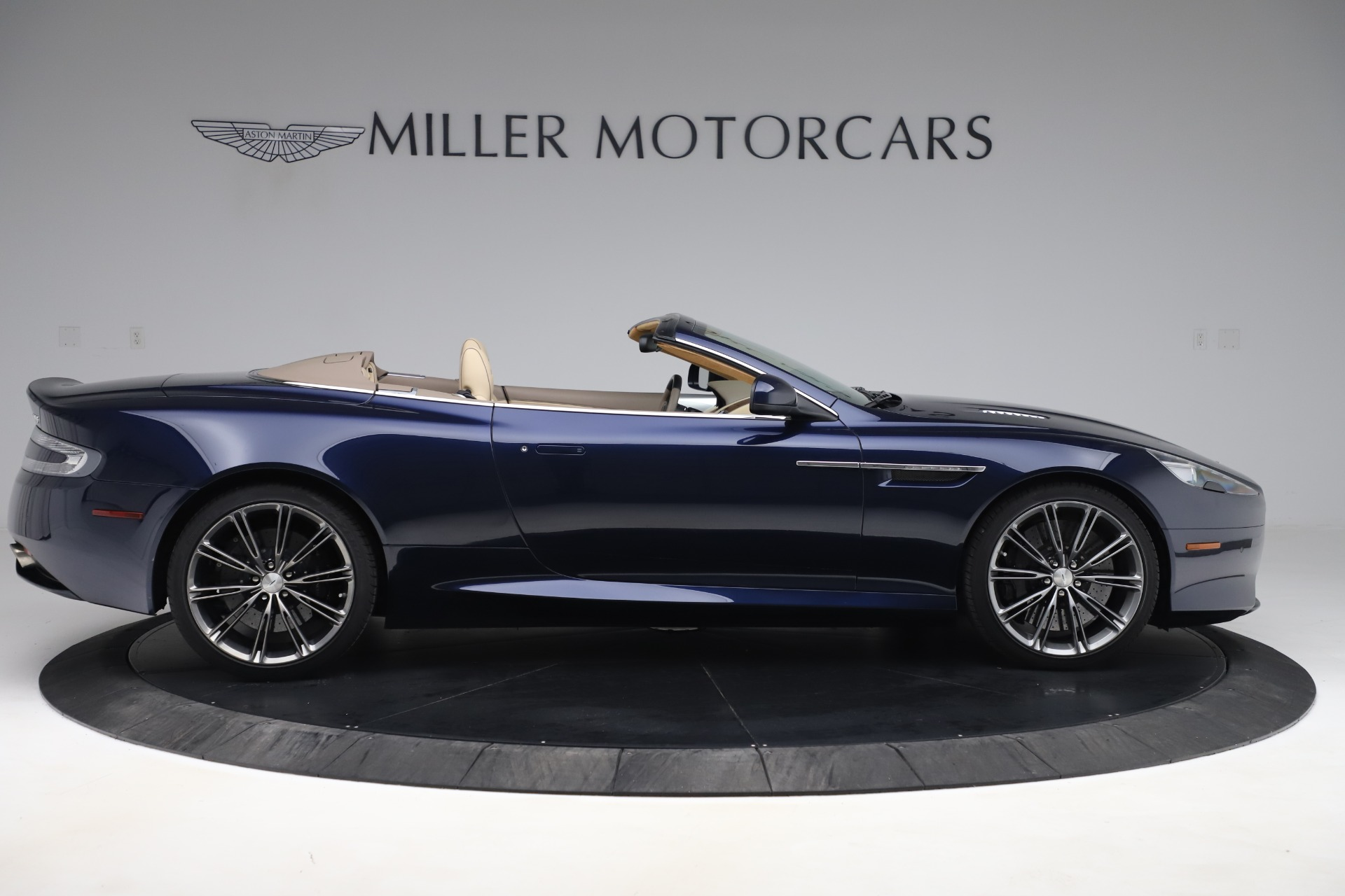 Used 2014 Aston Martin DB9 Volante For Sale In Westport, CT 3591_p9